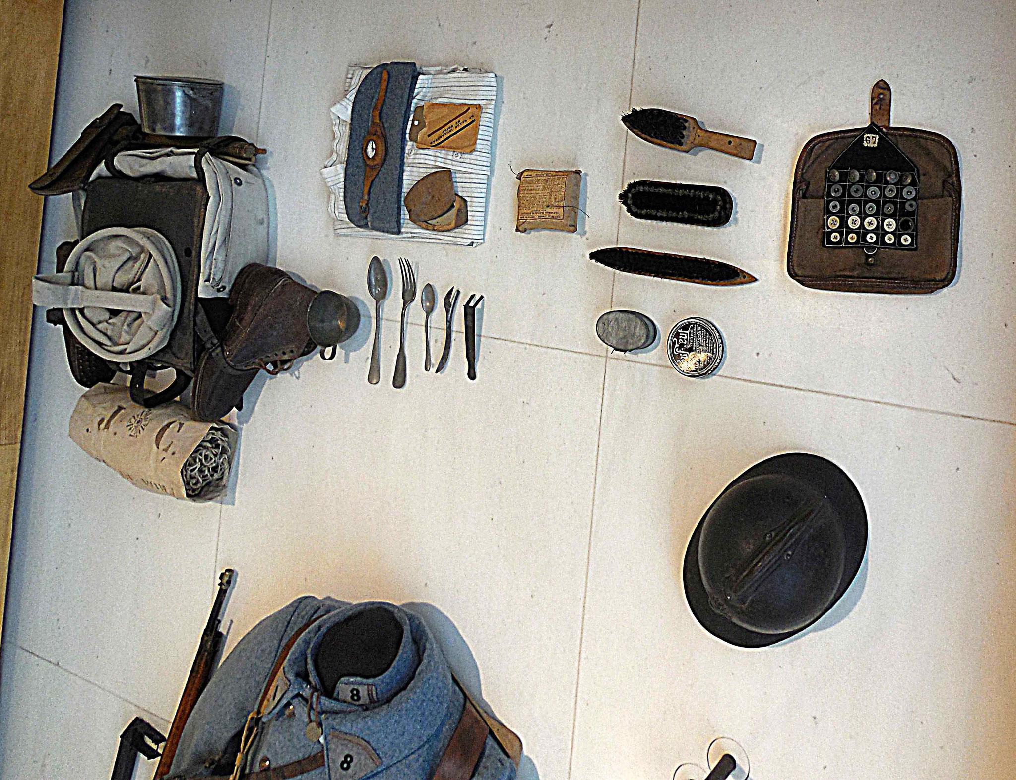 Quelques objets portés dans le havresac