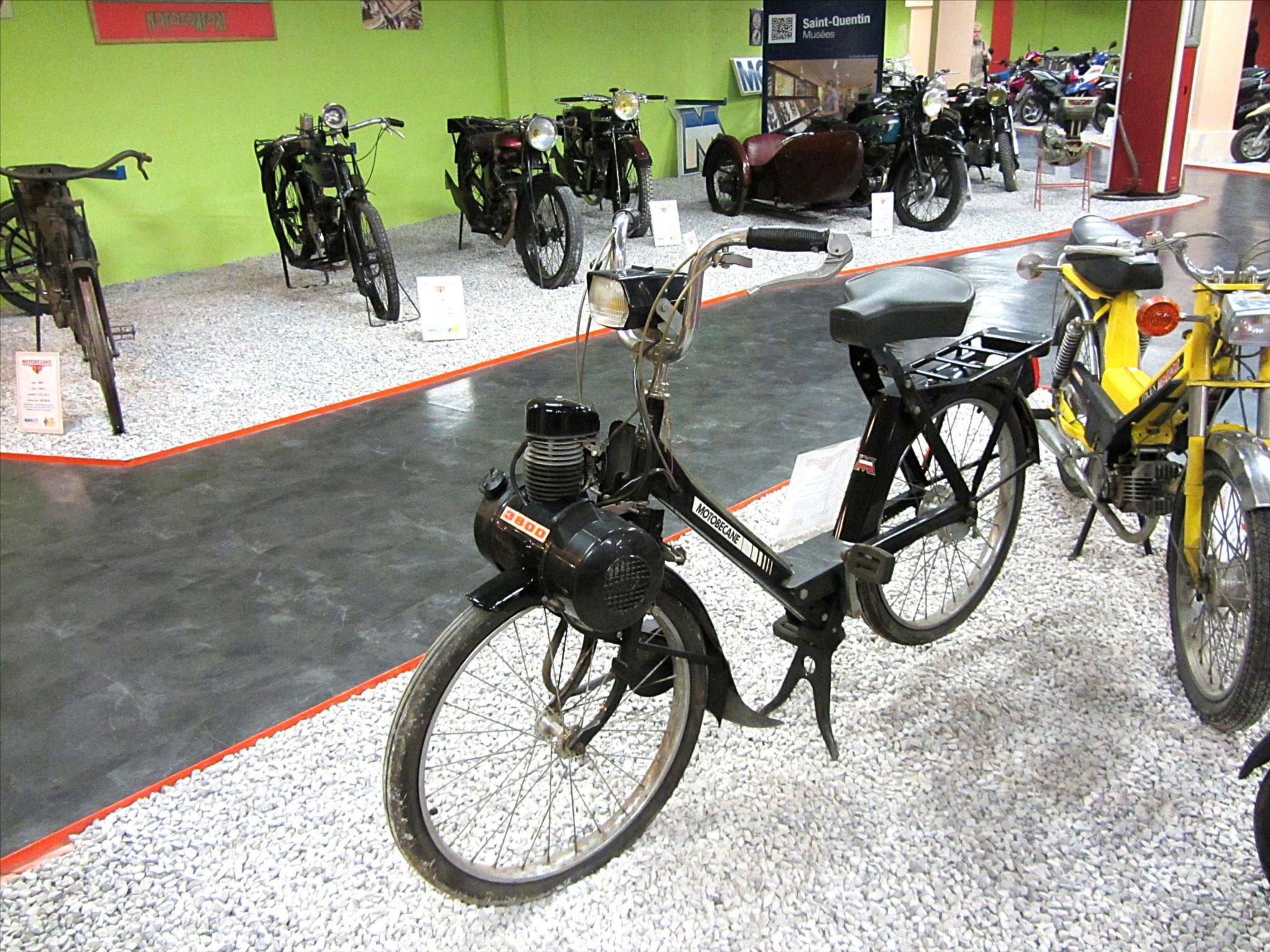 En 1975 Motobecane-Motoconfort rachète son concurrent VéloSoleX