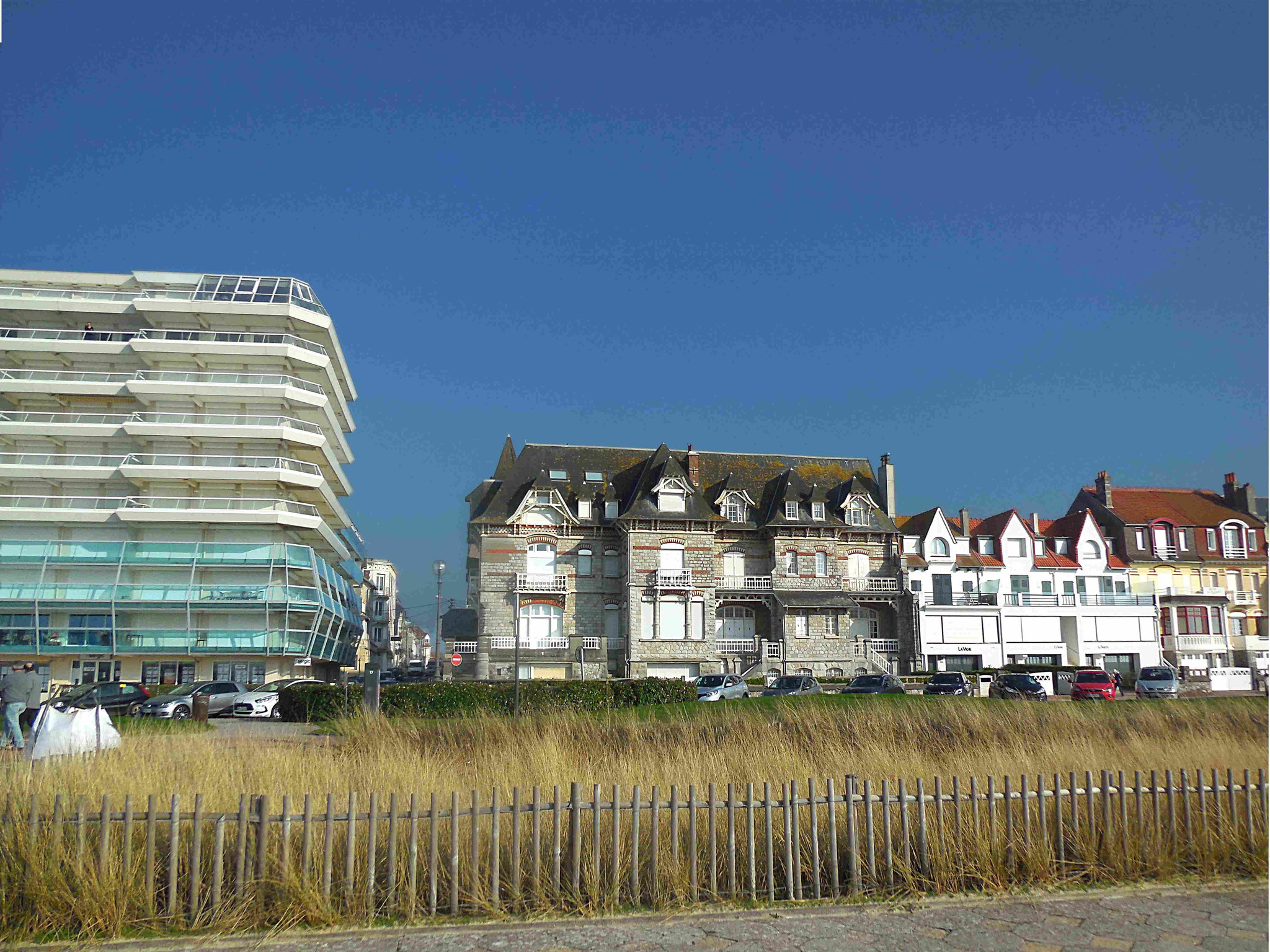 Les immeubles occupant le front de mer