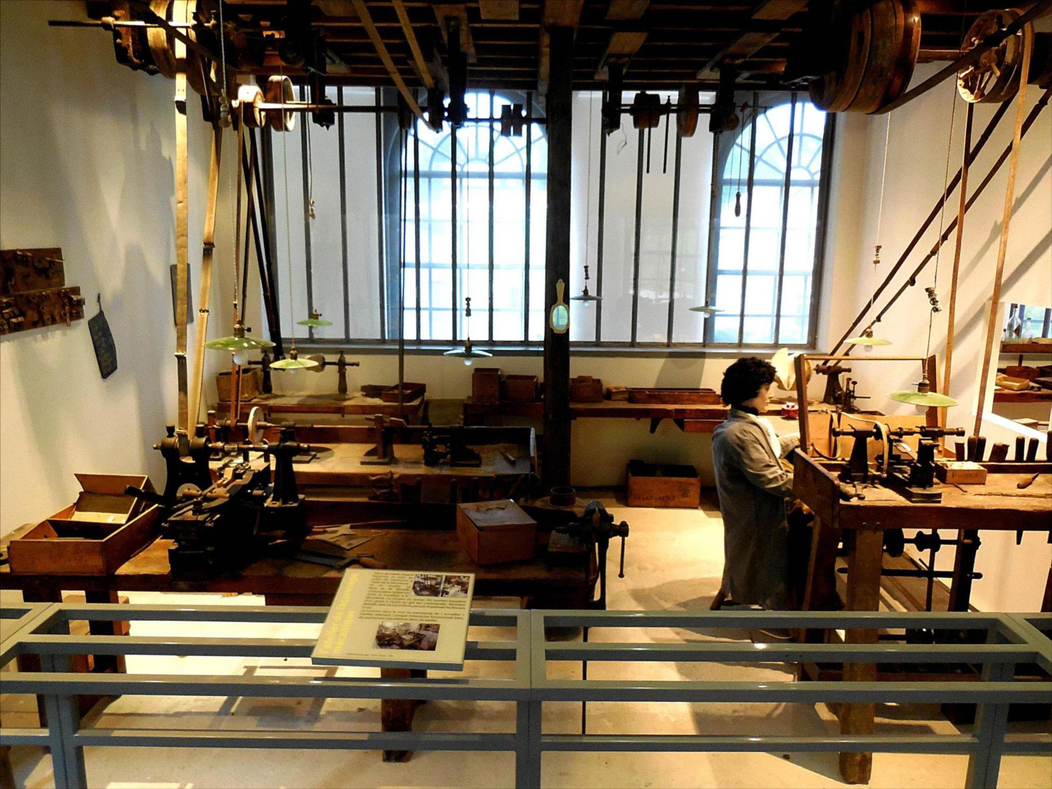 Atelier de boutonnerie, reconstitution