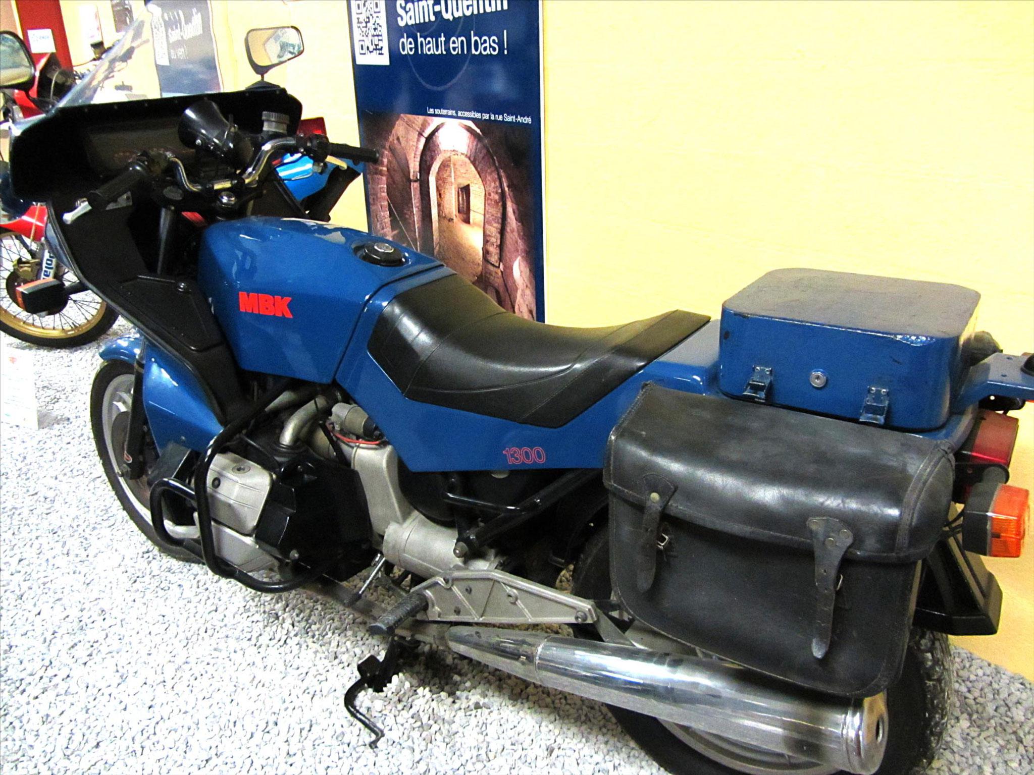 """Moto """"La 1300"""""""