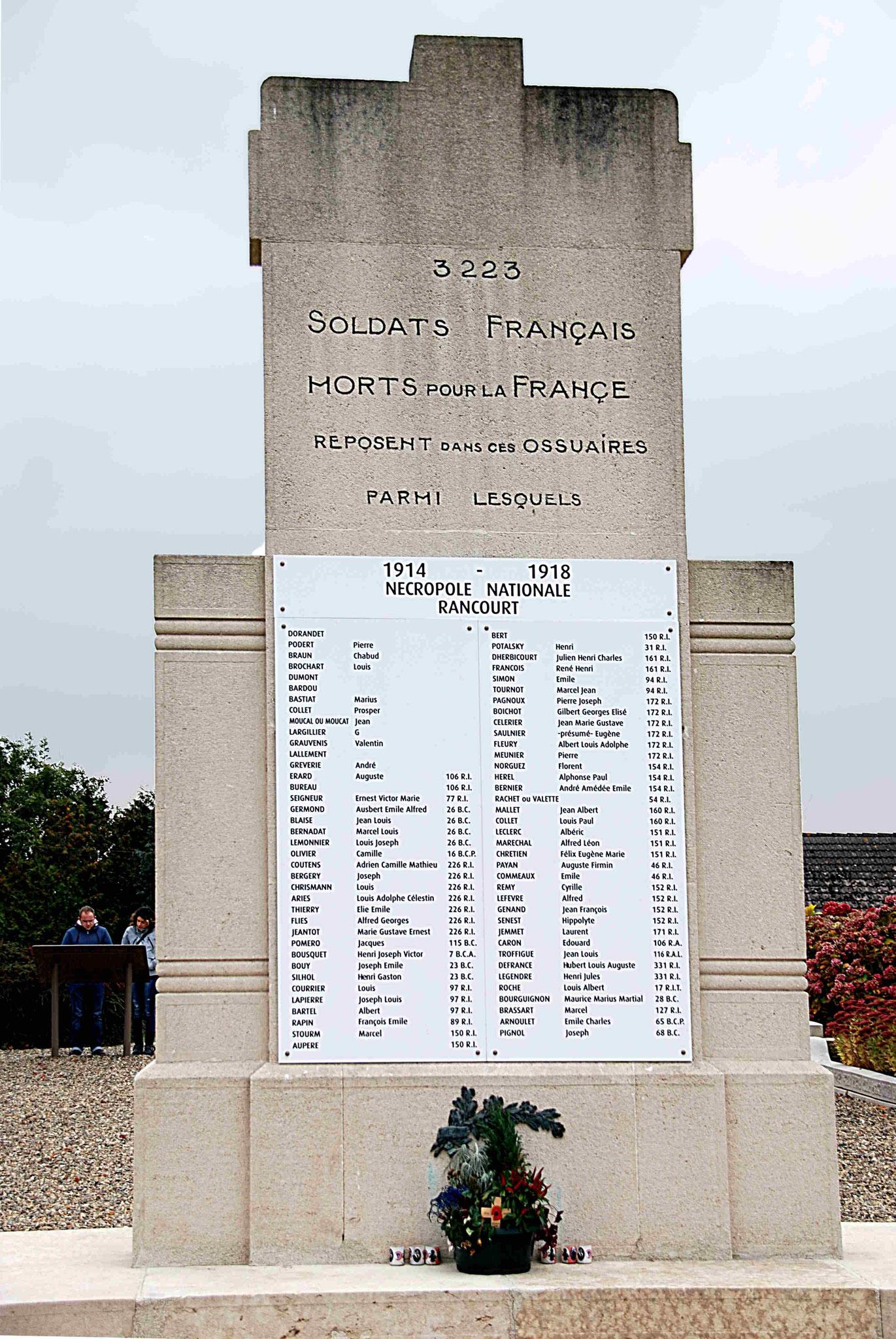3223 soldats dans cet ossuaire...