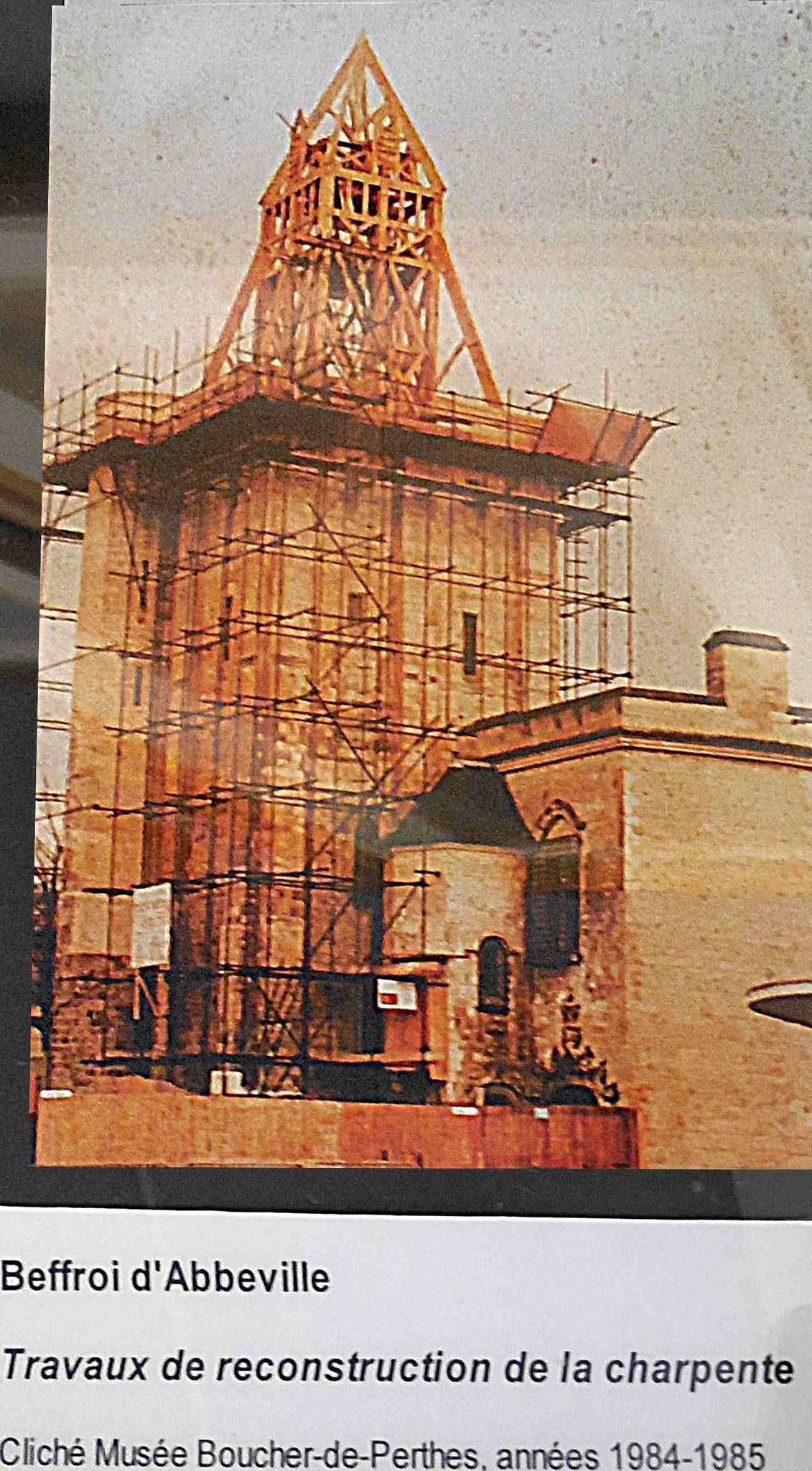 Toiture en cours de construction, 1984 / document musée