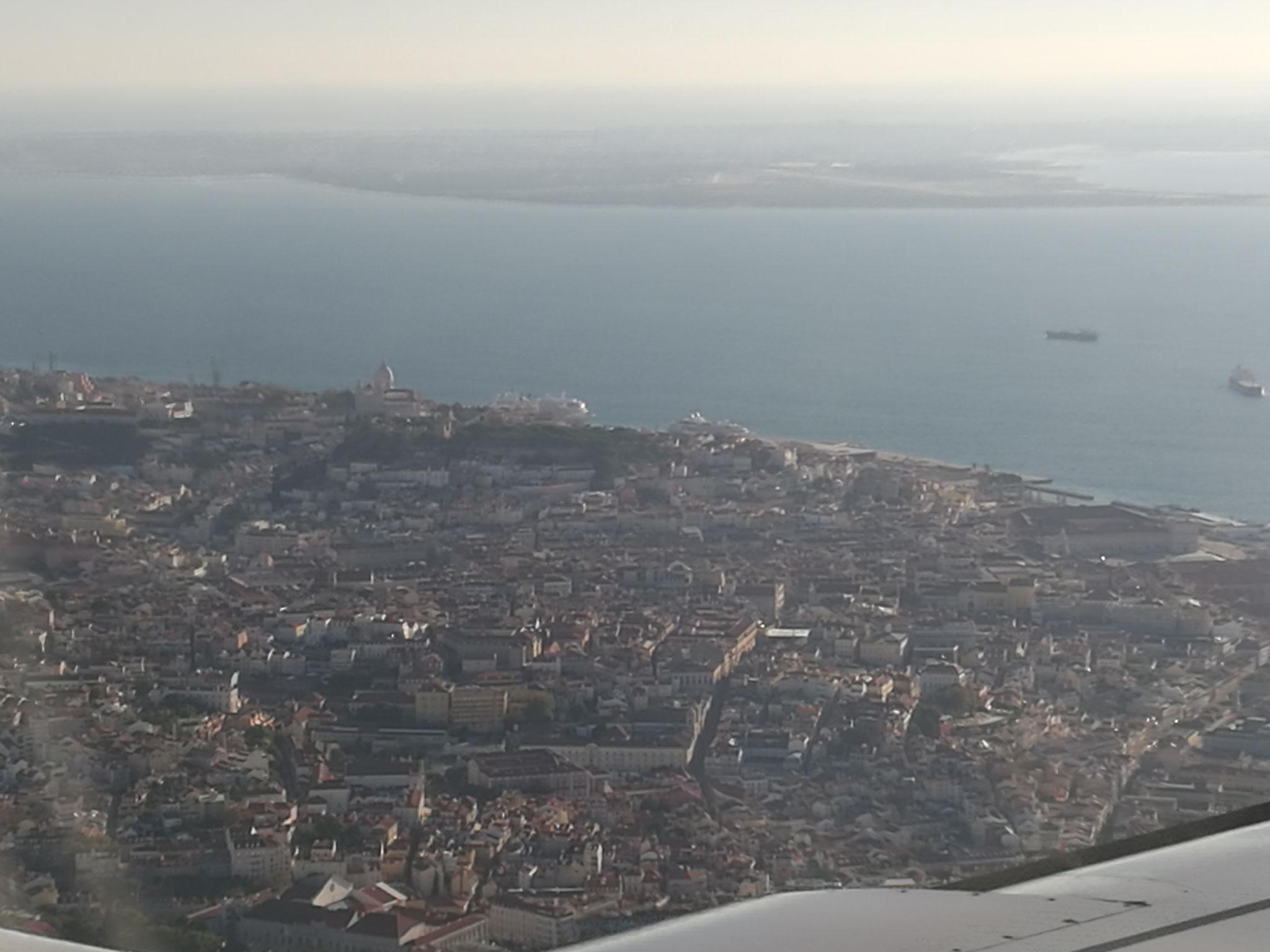 Landing in Lisboa