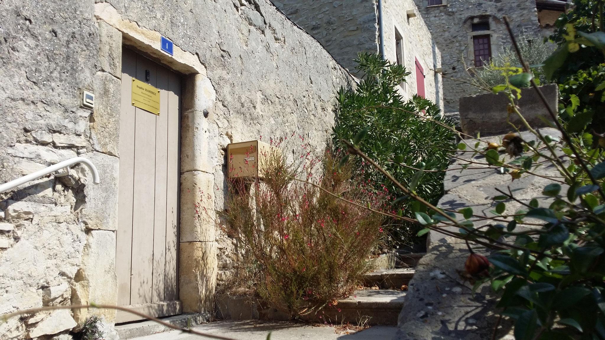 Et si vous preniez le temps d'arpenter les rues du vieux village avant de repartir ?