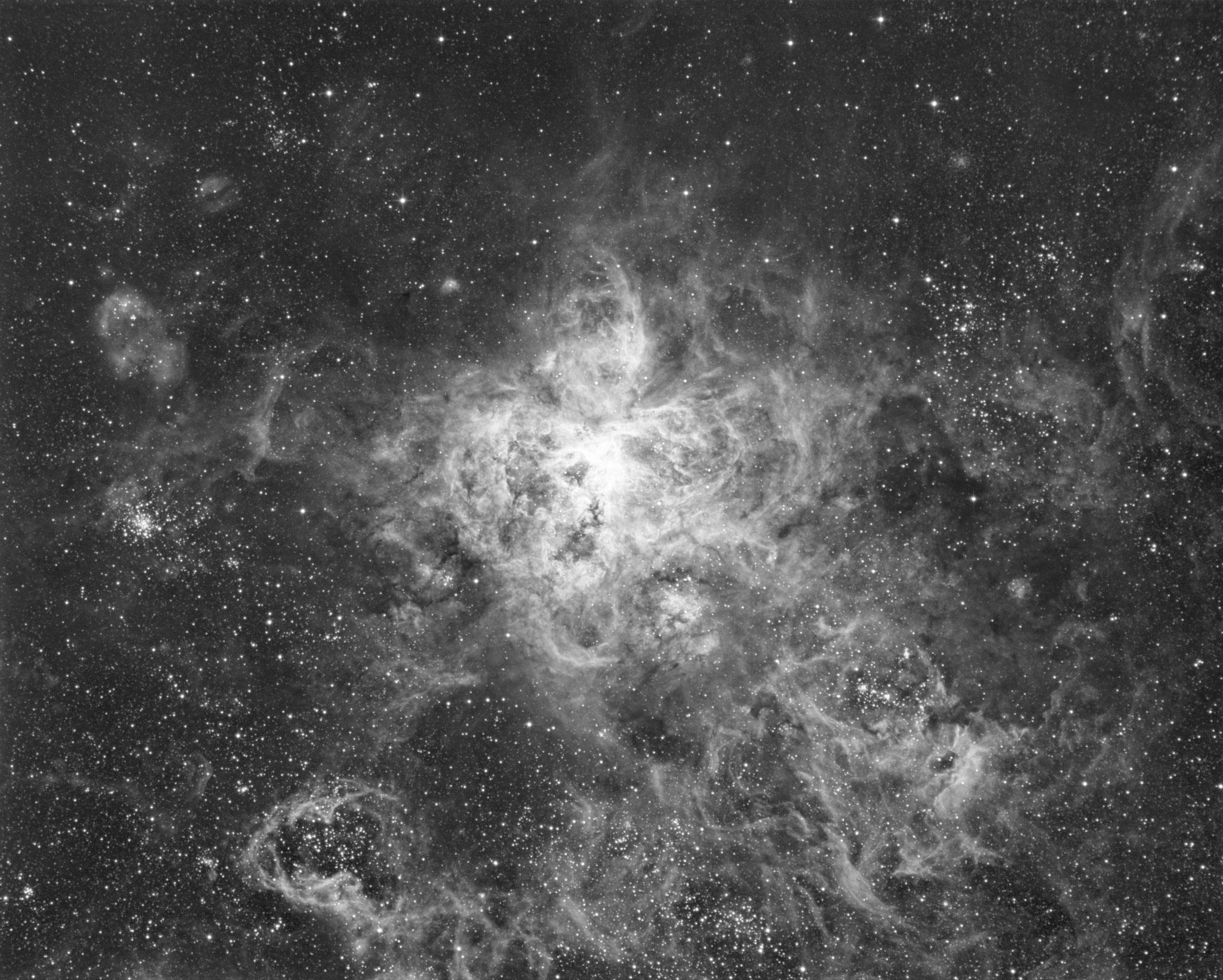 NGC2070, filtre OIII, 21h 45 de temps cumulé...