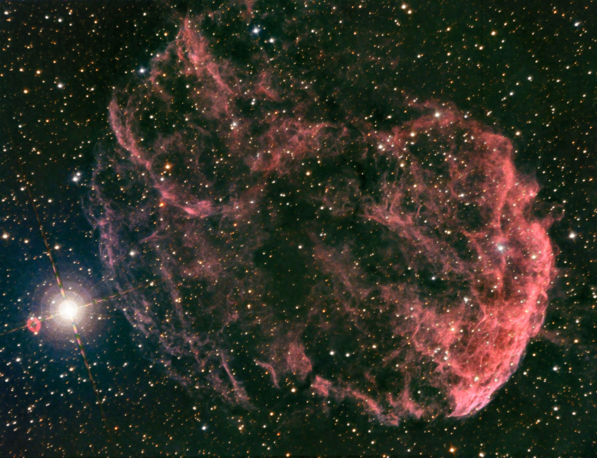 IC443, la nébuleuse de la méduse, Ha (20x600s, bin 1), RVB (15x180, bin 2), total = 5h 35, 31 octobre 2016, GIlles