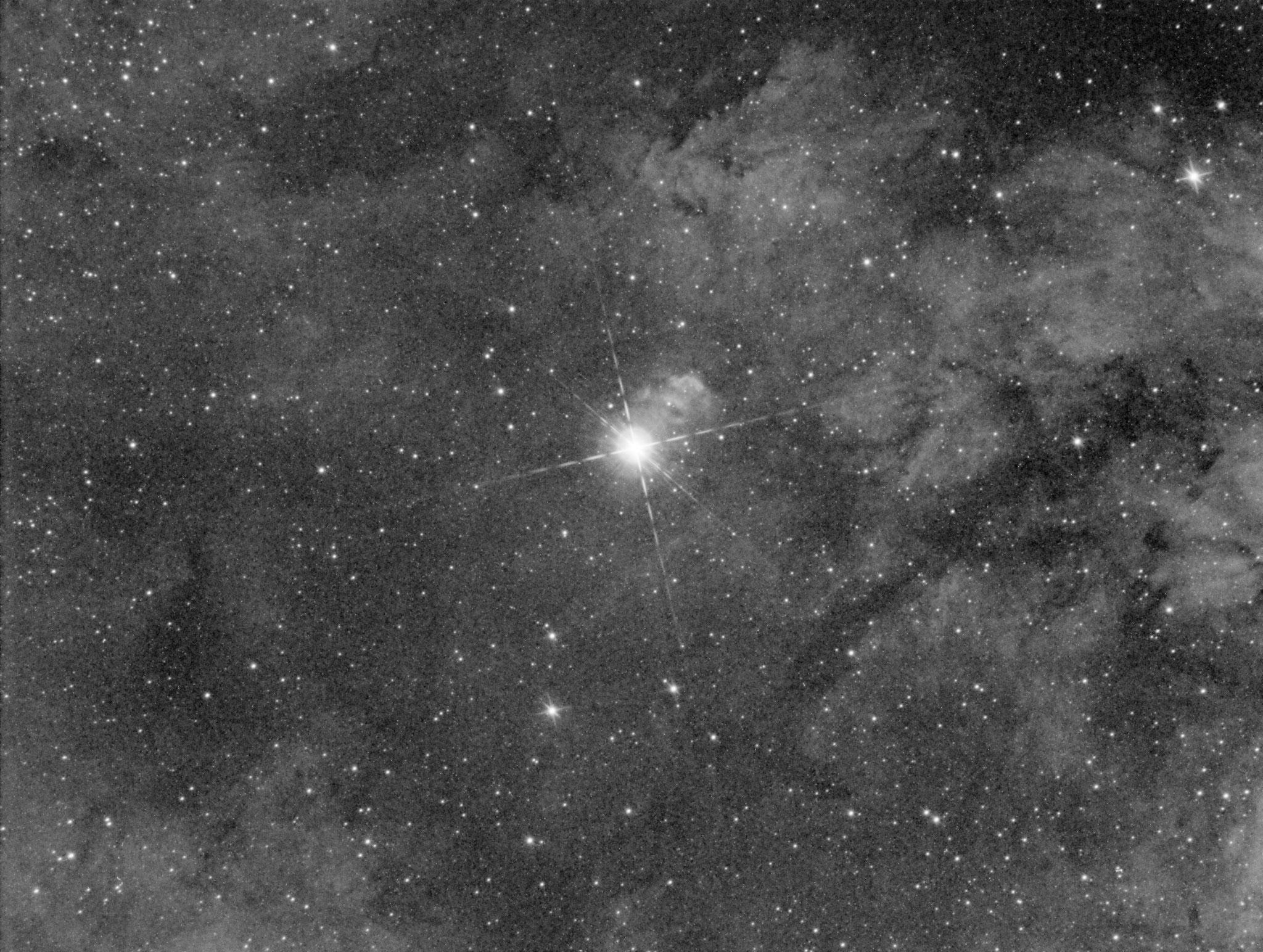 Première lumière, Sadr et ses nébulosités, IC1318, 1x5 min en Ha, 14 août 2016