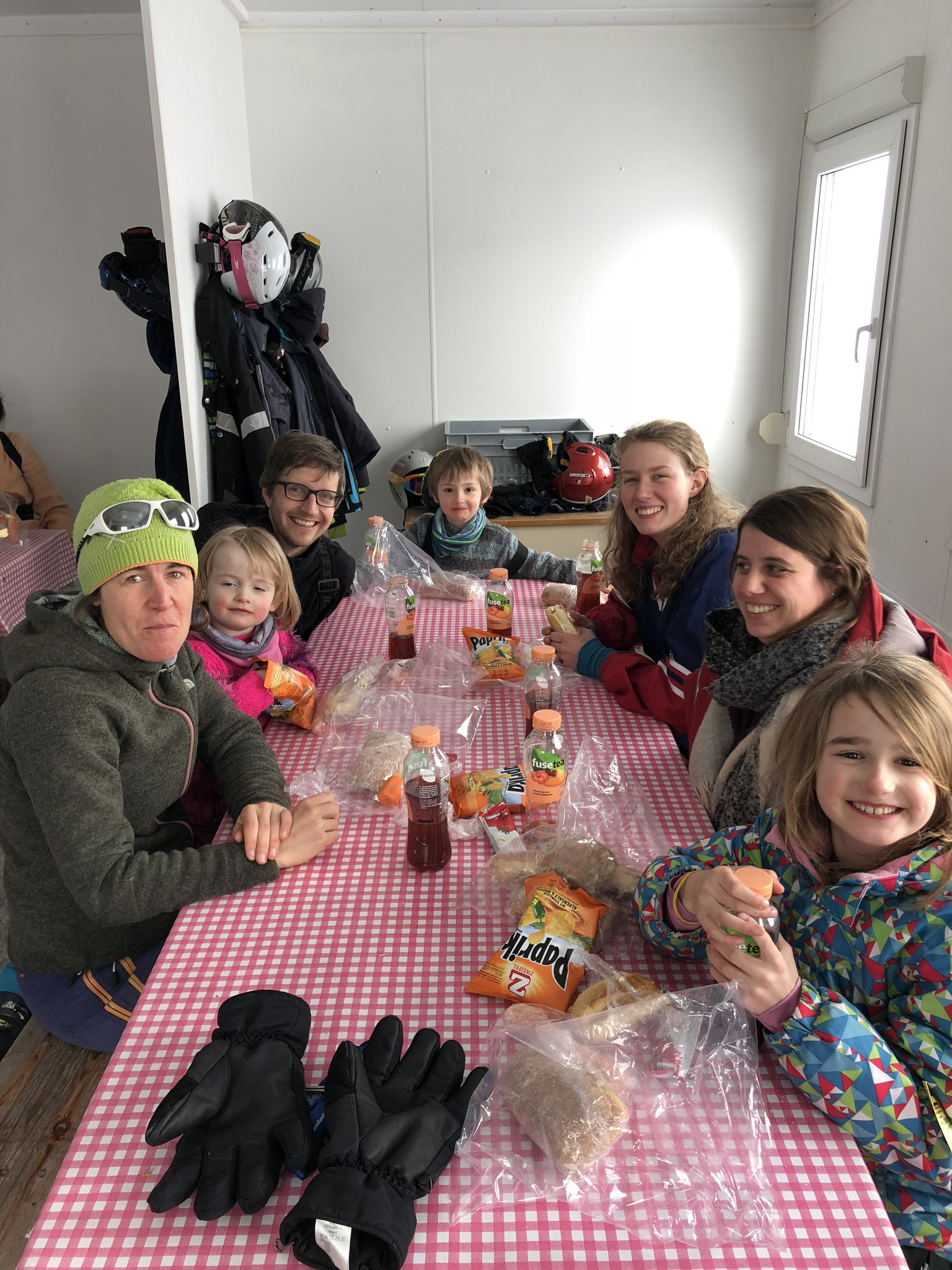 Jahresbericht 2017 - Kinderheim Sonnhalde