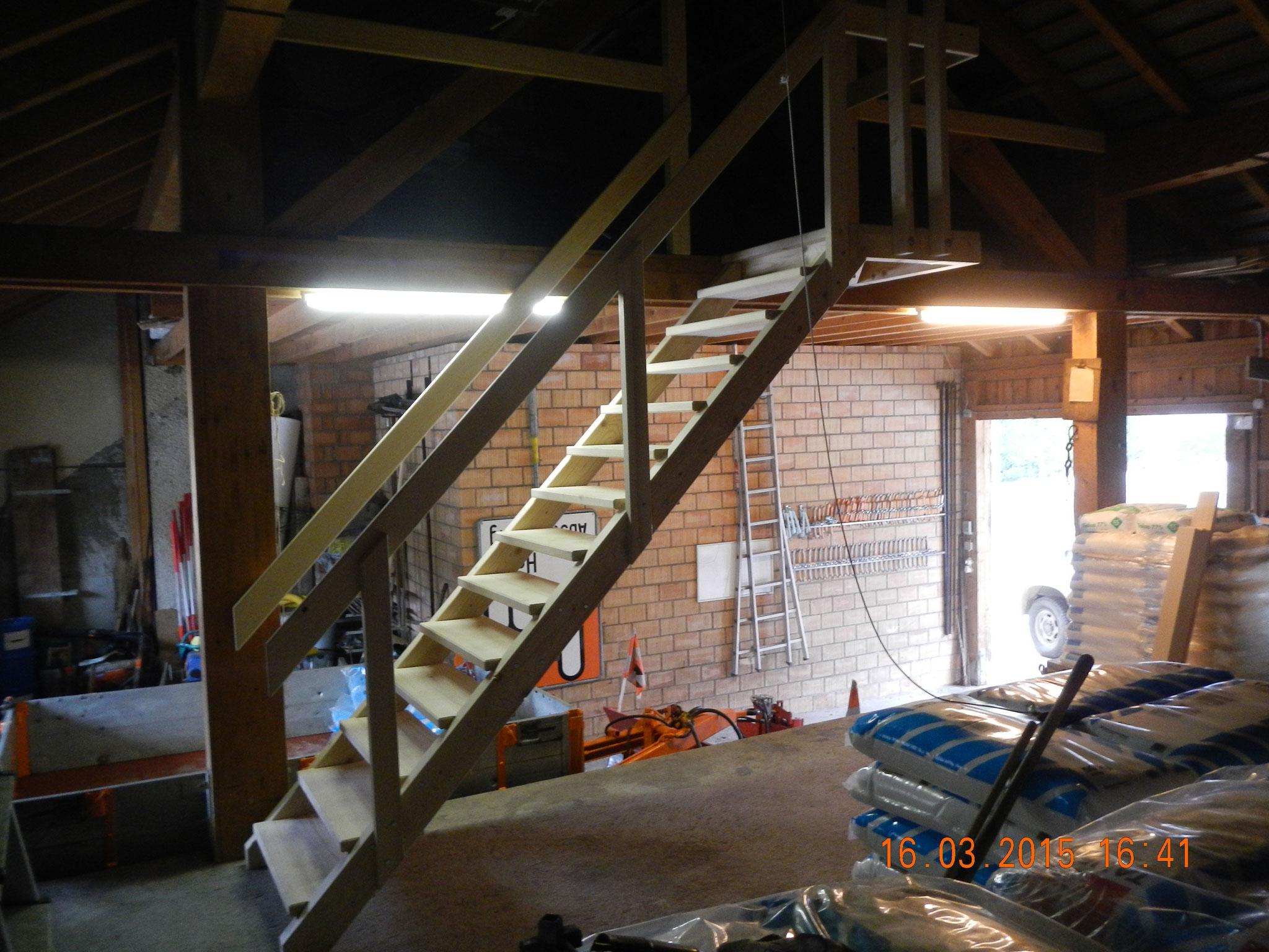 Zweckmässige Treppen aus fichtenholz