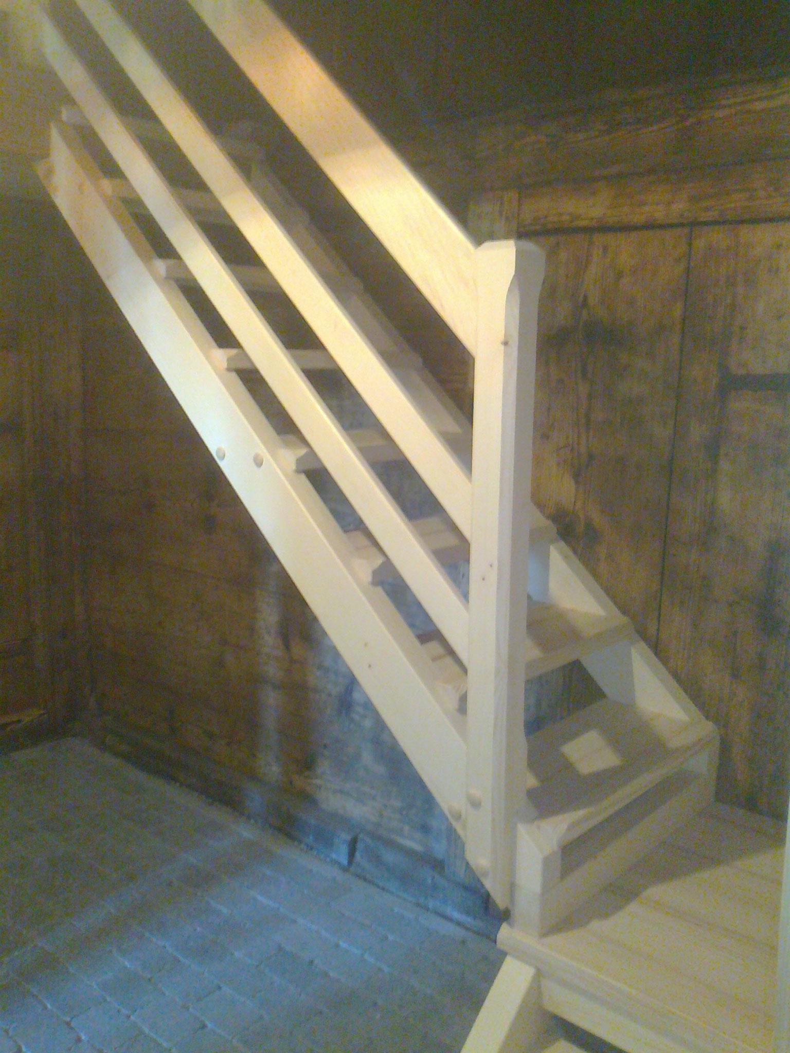 Treppe aus Tannenholz