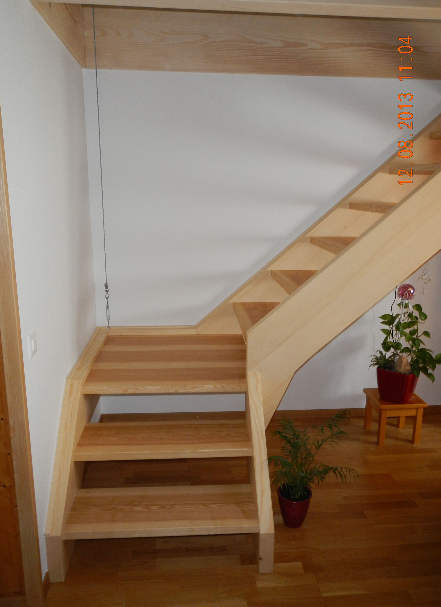 """Treppe aus Eschenholz """"braunkern"""""""