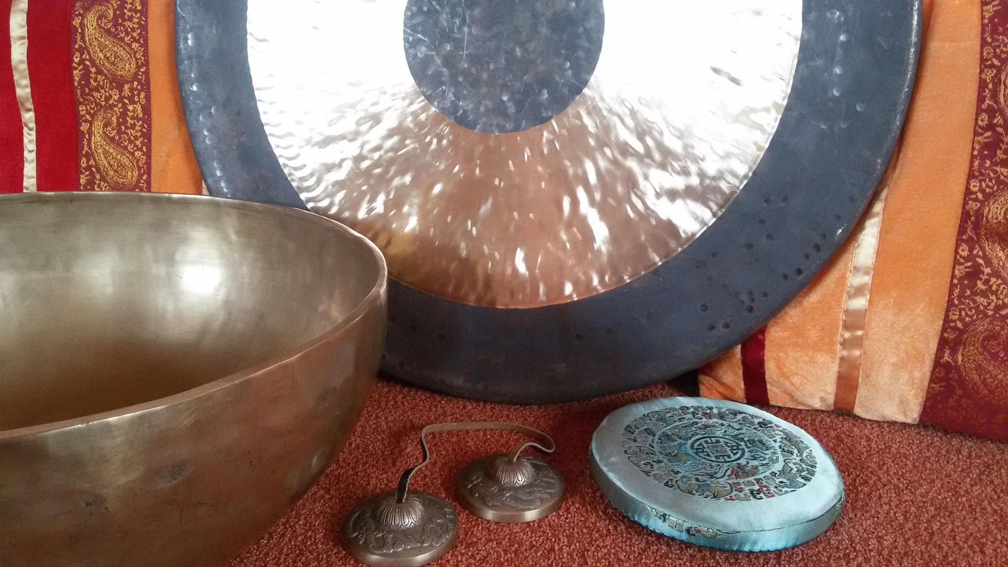 Gongs, Zimbeln, Klangschalen