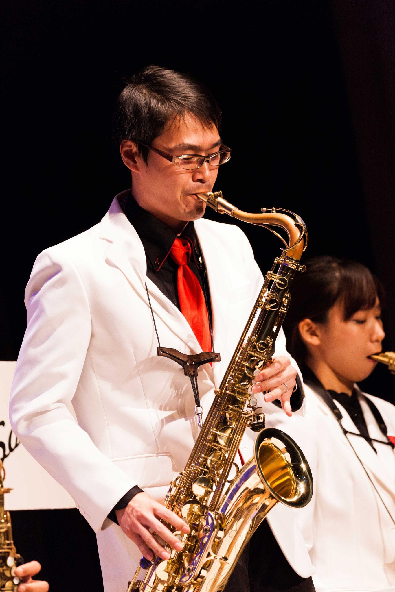 小野友寛(saxophone,flute)