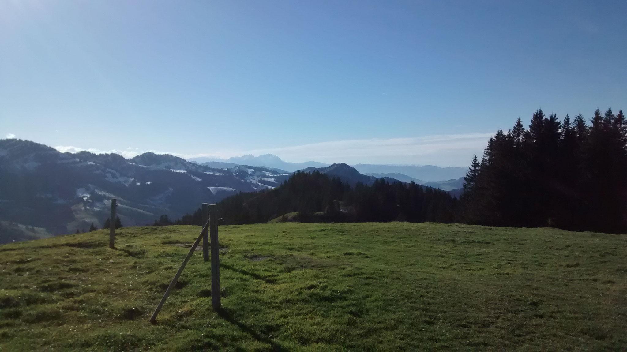 Auf dem Prodel mit Blick in die Schweizerberge