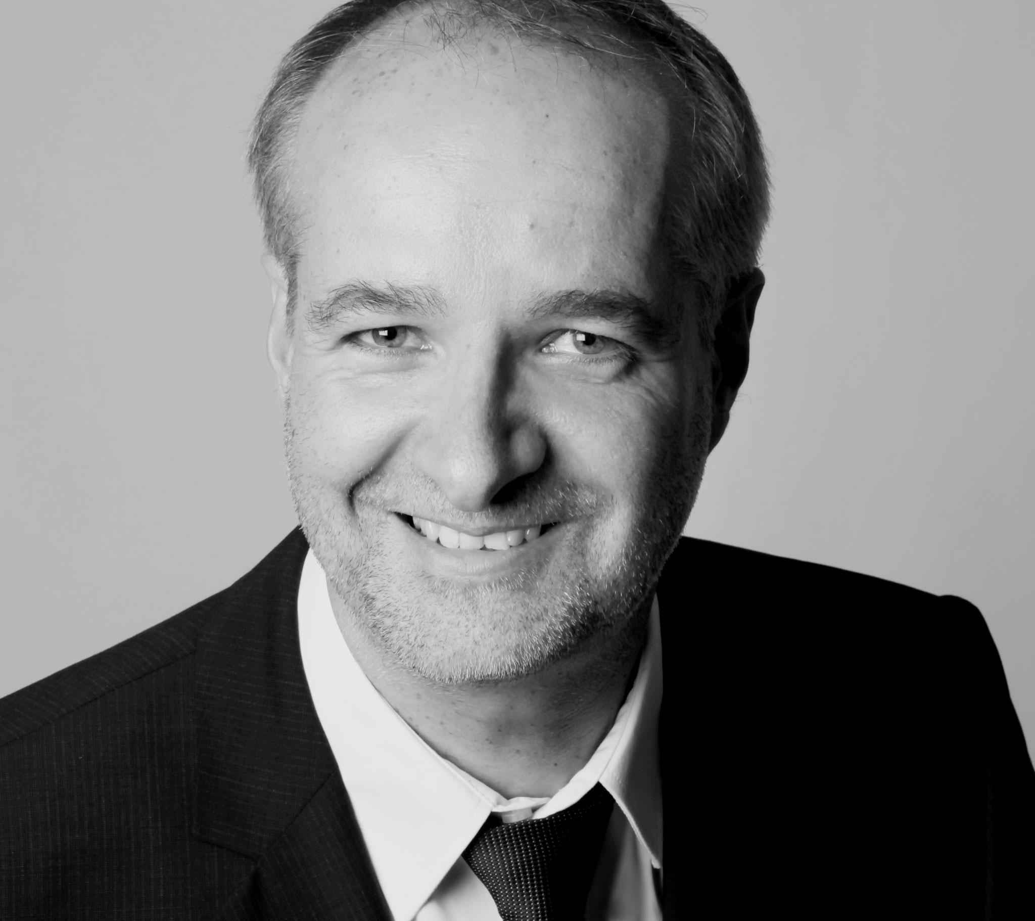 """Dr. Stefan Schröder hat die Fachrichtung """"Naturschutz und Landschaftsökologie"""" in Bonn studiert. Heute leitet er ein Referat in einer Bundesbehörde und berät die Bundesregierung zu Fragen der Biologischen Vielfalt."""