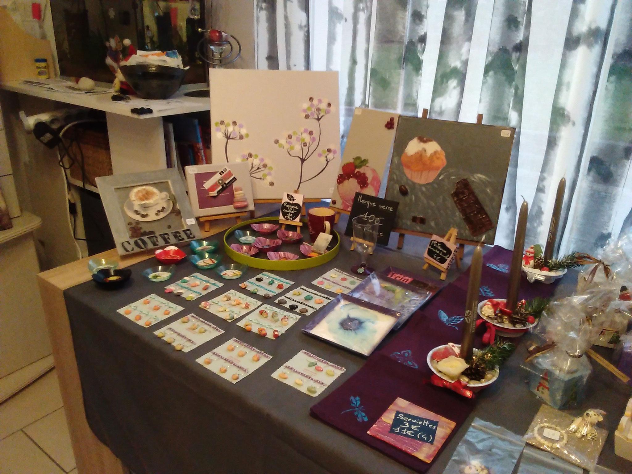 déco bois , art de la table, tableaux gourmands, marques verres ,repose sachet de thé....