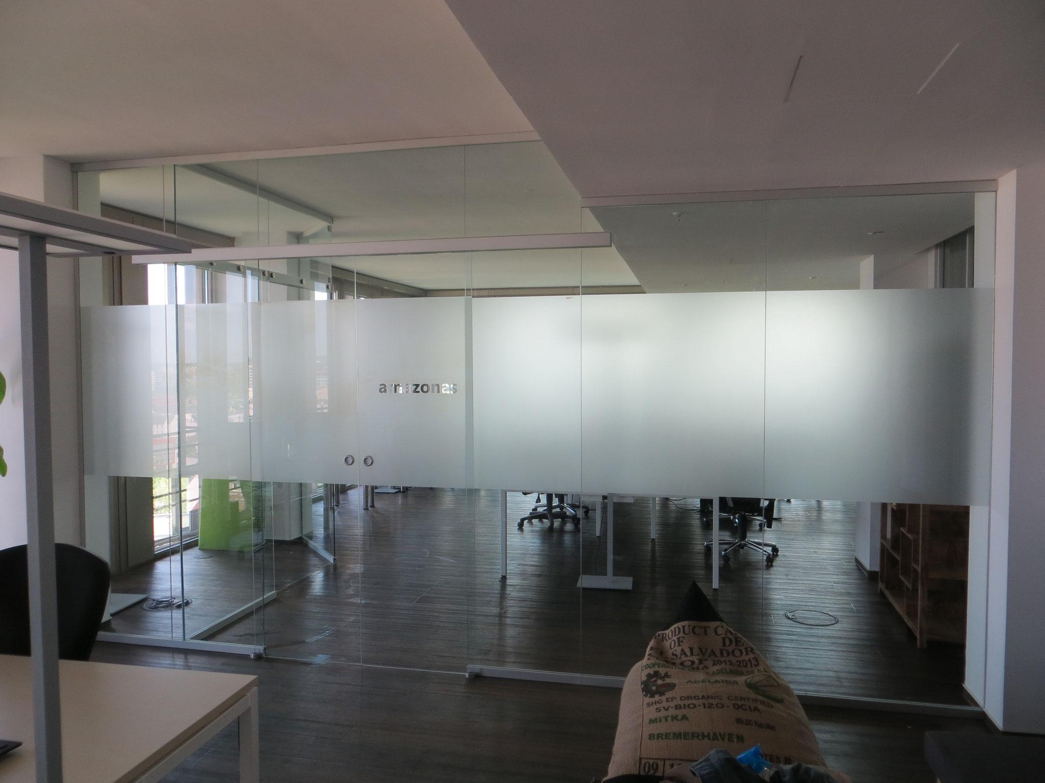 Glasmattierung als Sichtschutz für Büro