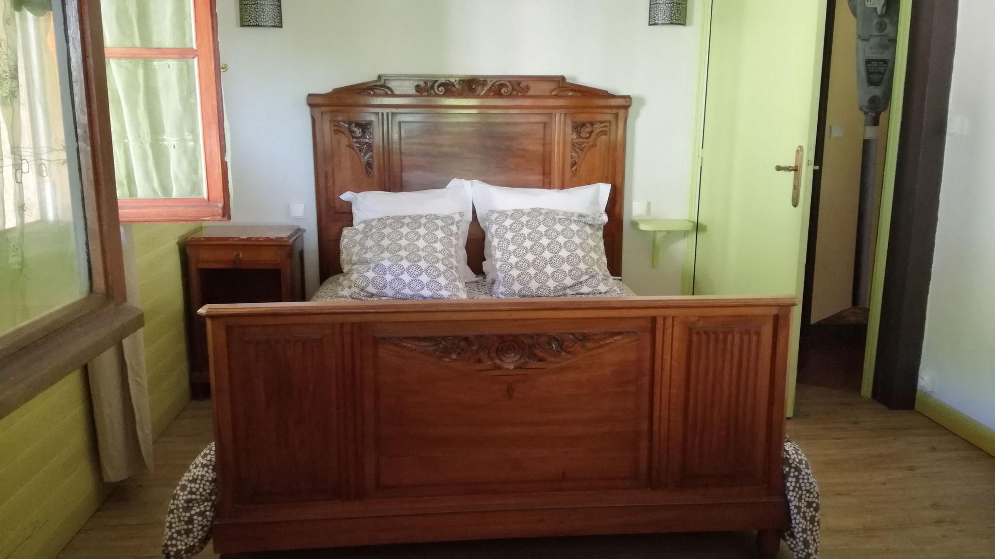 Grande chambre, lit en 140