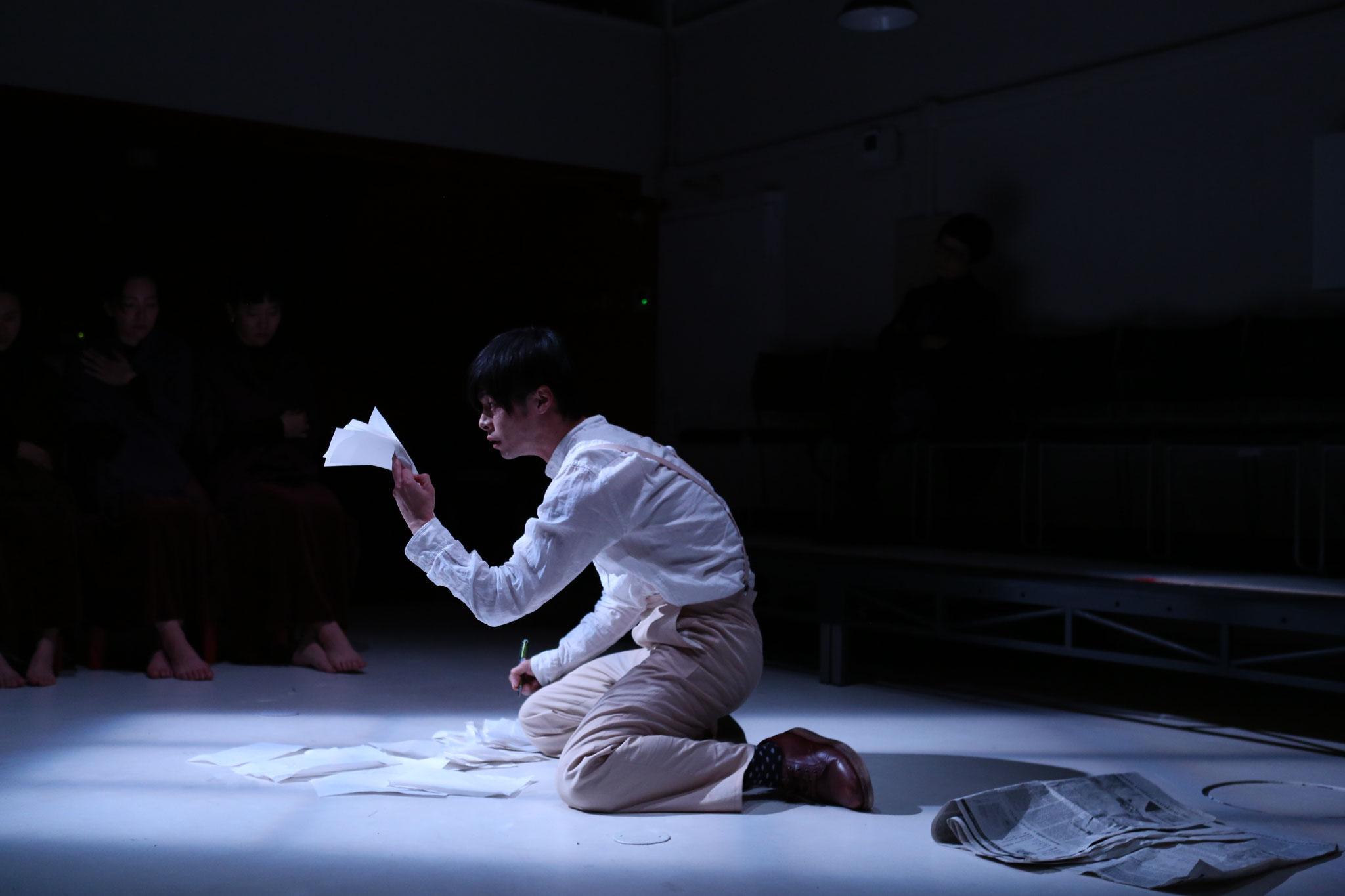 『ニーナ会議―かもめよりー』撮影:伊藤華織