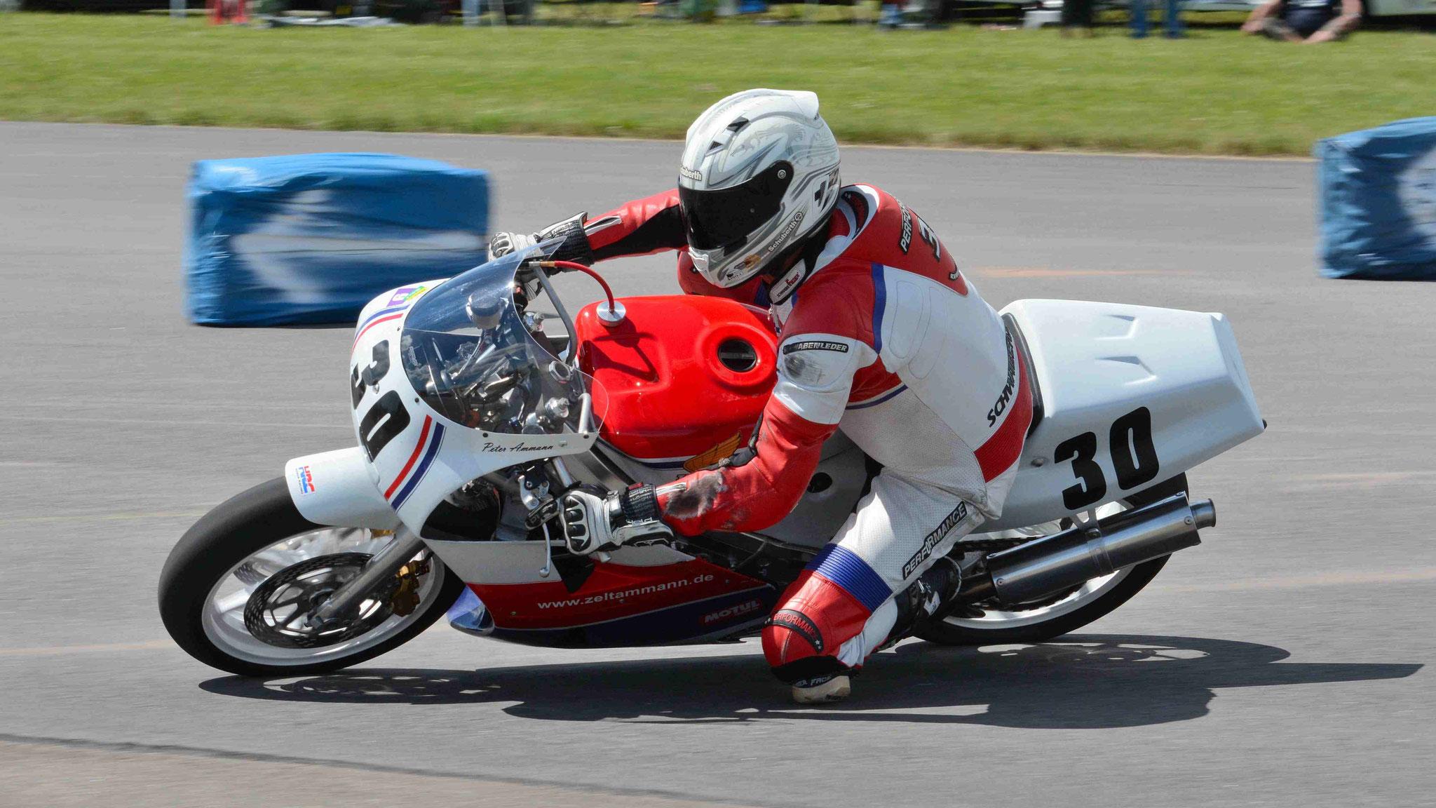 Peter Ammann / Honda RC30 1988