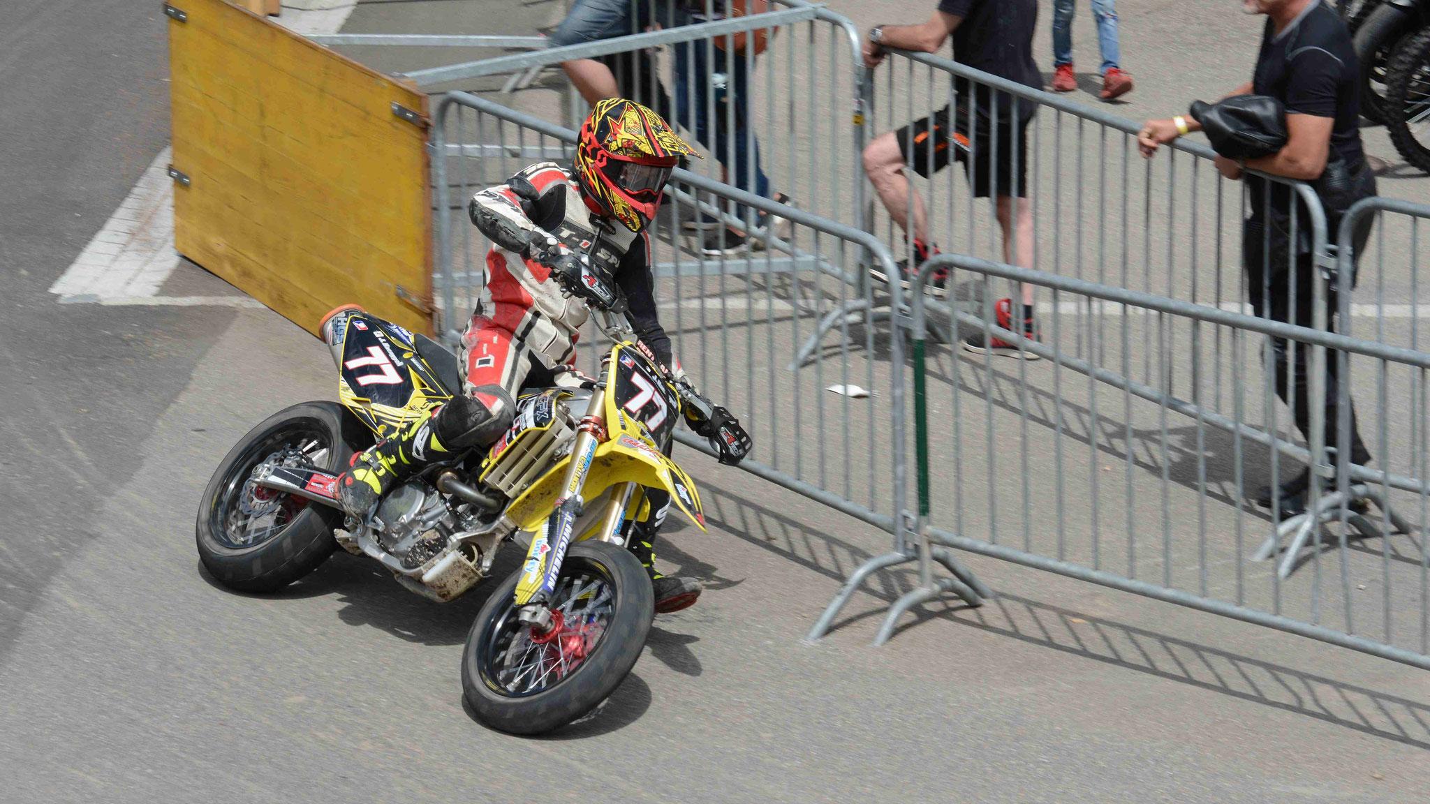 #77 Julien Haenggeli - Suzuki
