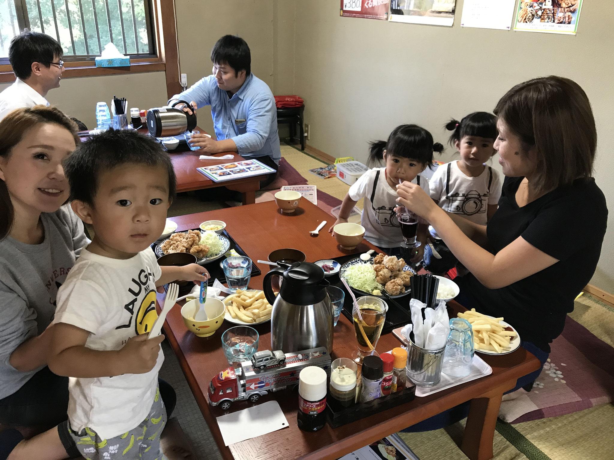 小さいお子様連れでも、気軽にお食事できます。