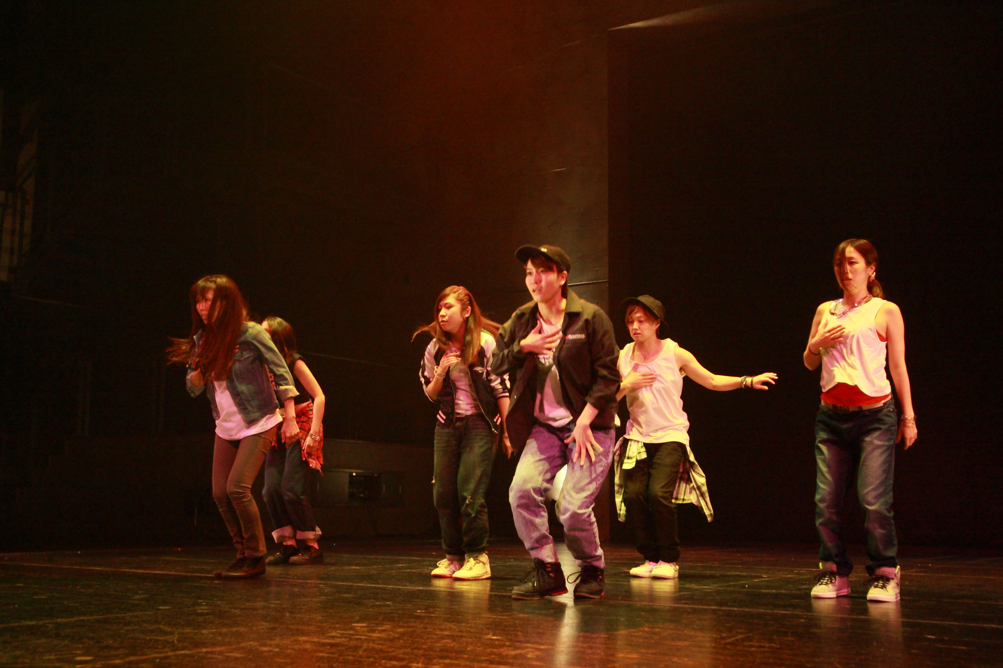 R&B HIPHOP DANCE