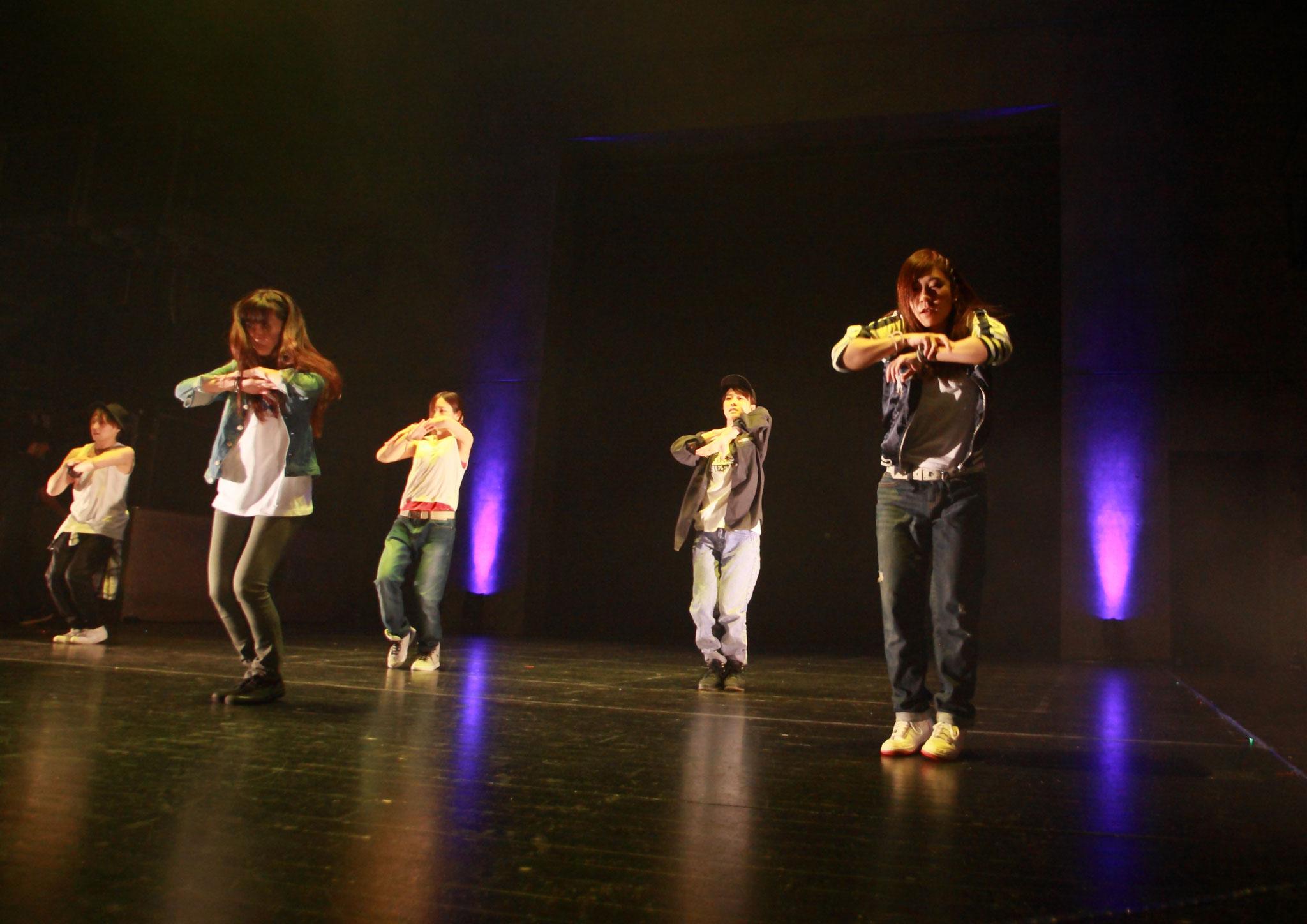 R&B HIPHOP DANCE