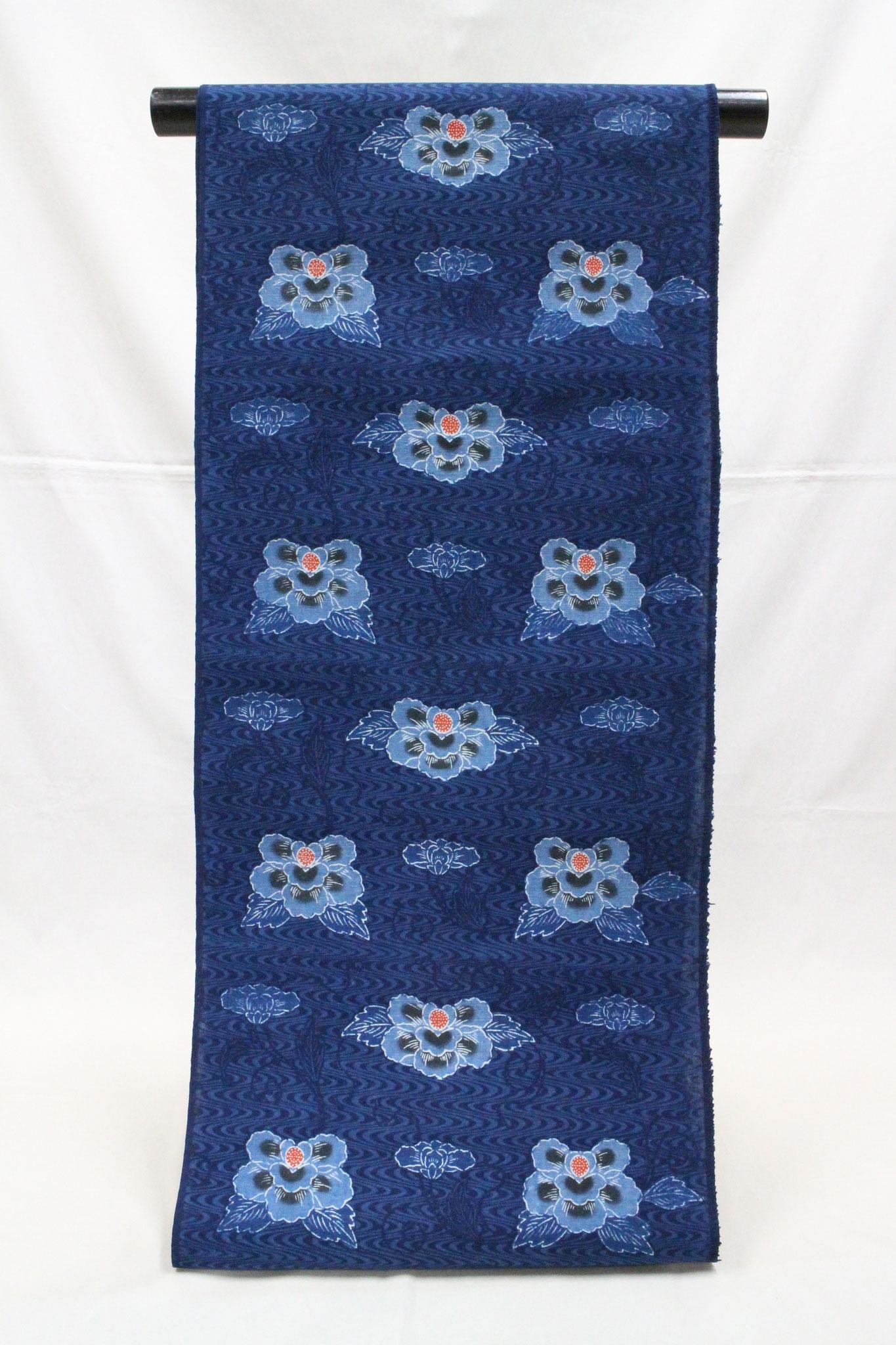 紅入り藍型古典柄 流水に牡丹   岡崎木綿