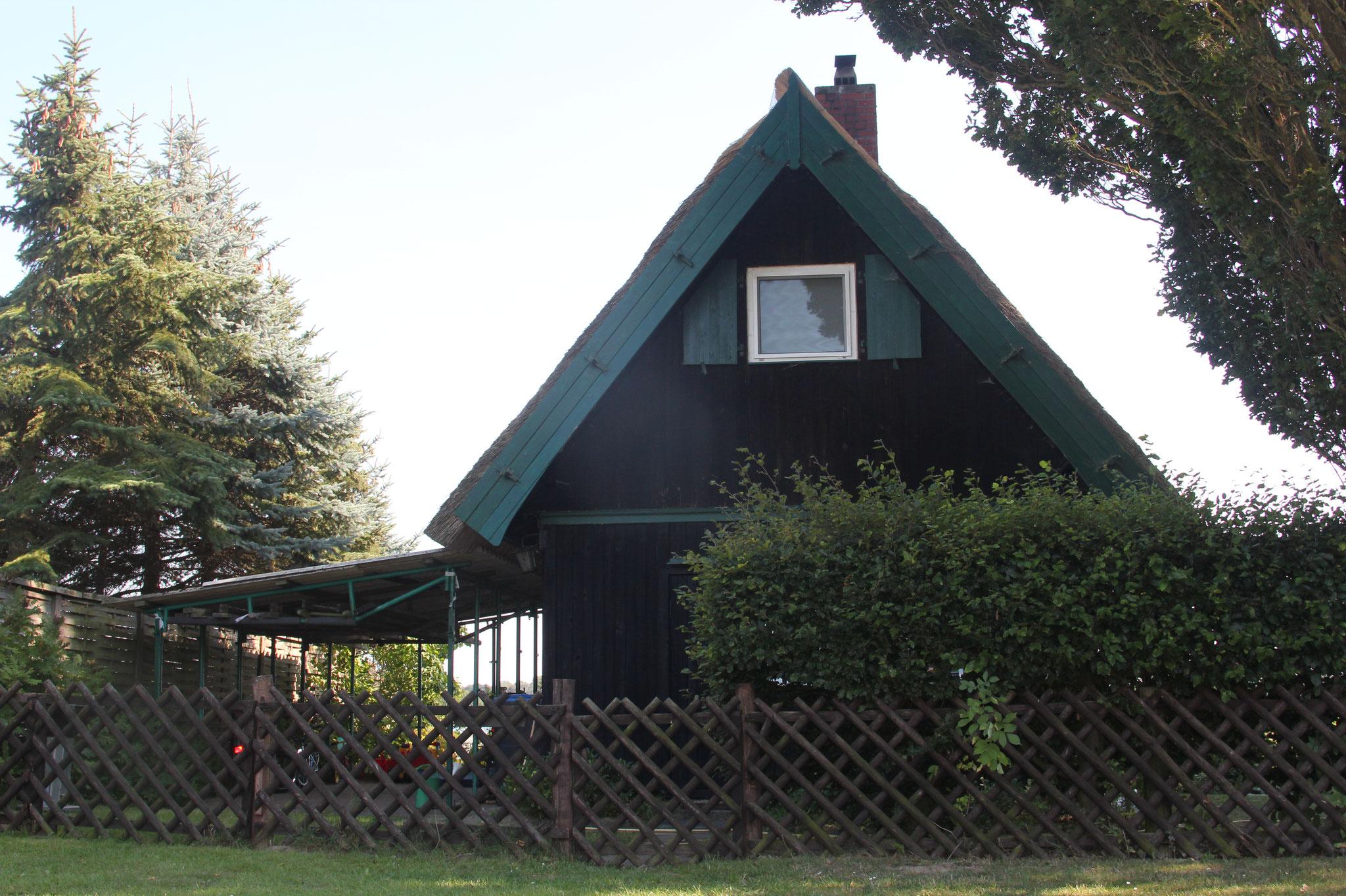 Ferienhaus mit Carport