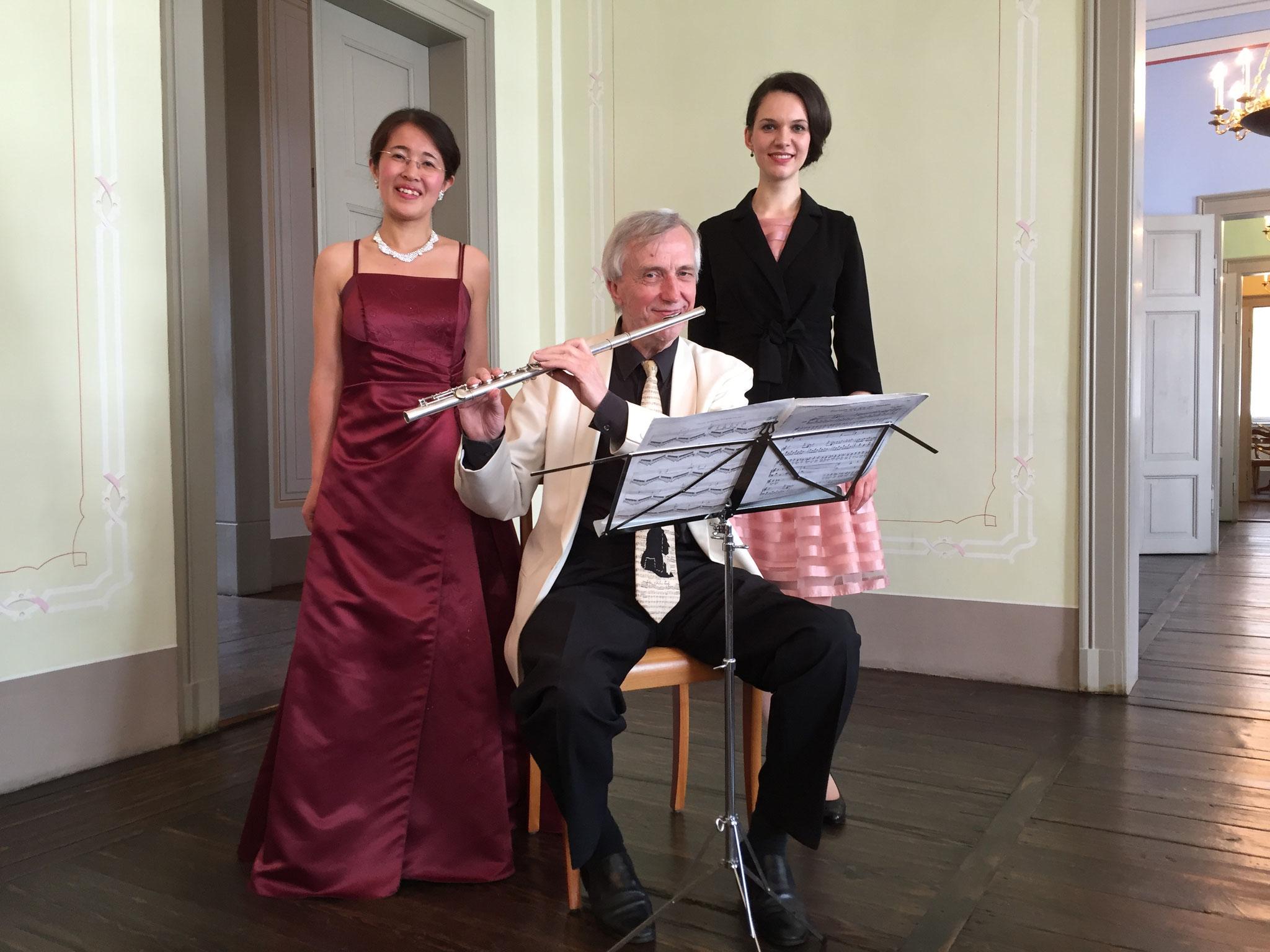 Trio Monika Rytz(Sopran), Klaus-Peter Riemer(Flöte) und Miyuki Brummer(Klavier) im Mendelssohn Haus Leipzig 2016 トリオ モニカ・リッツ(ソプラノ)、クラウス ペーター・リーマー(フルート)、ブルマー美由紀(ピアノ) ライプツィッヒのメンデルスゾーン・ハウスにて 2016年