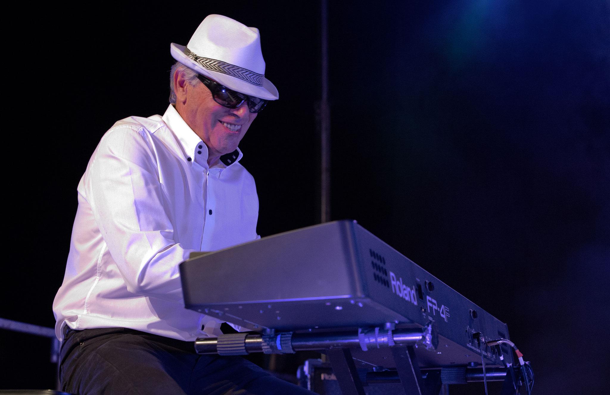 """Jean-Louis au Festivazl """"Les Découvertes Sonores"""" à St.Raphaël (83) en 2014."""