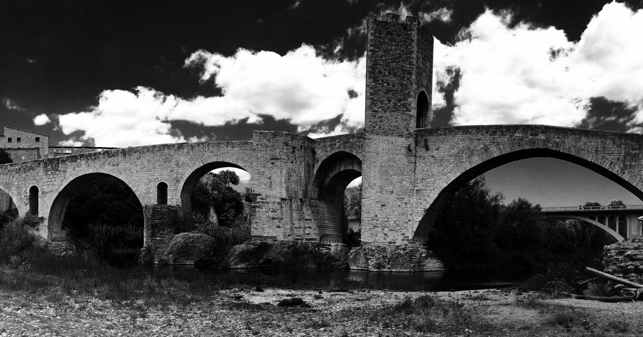 Pont médiéval de Besalù - Catalogne