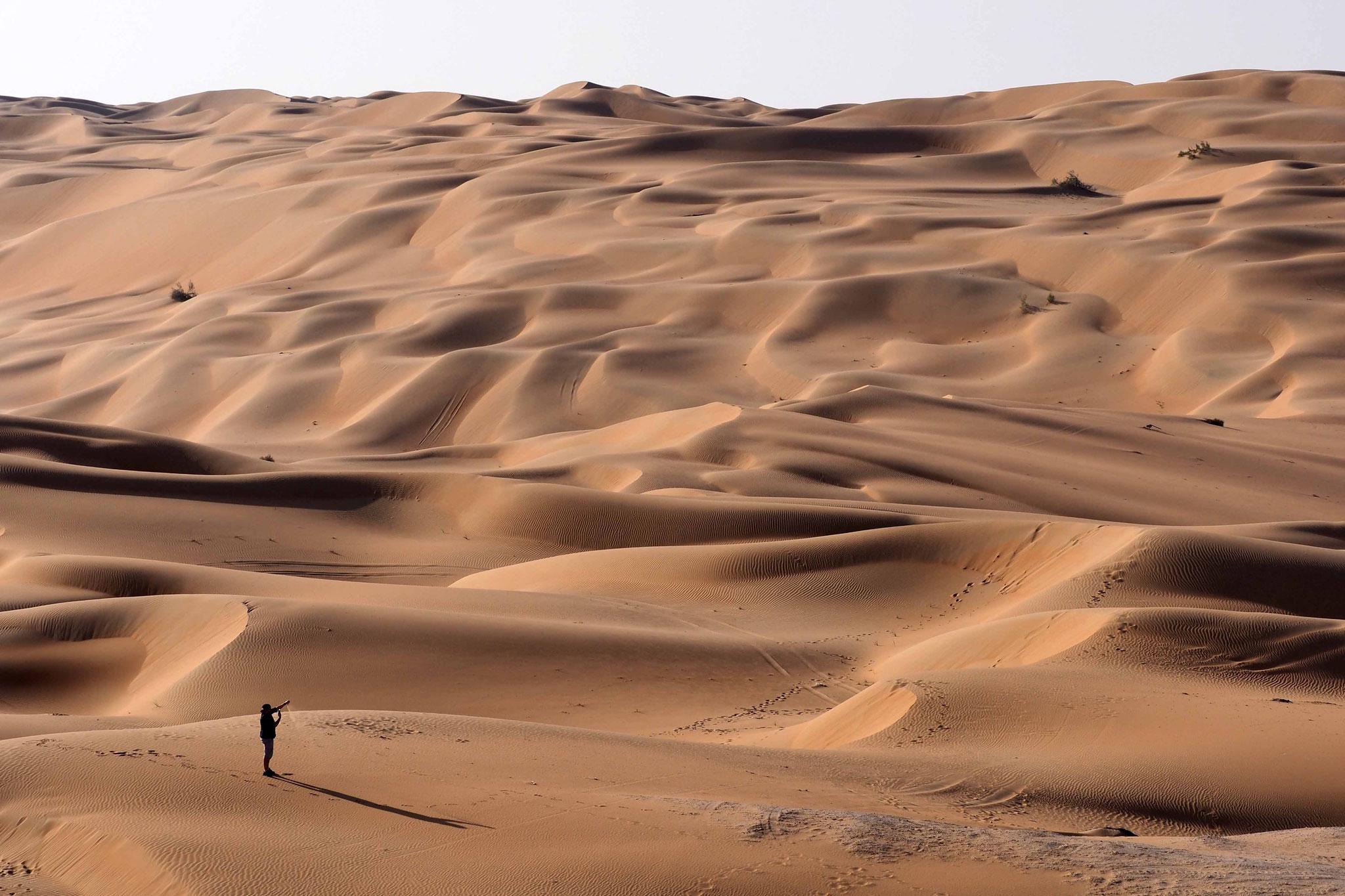 Mon pote Bastien découvre le Rub Al Khali - Emirats Arabes Unis