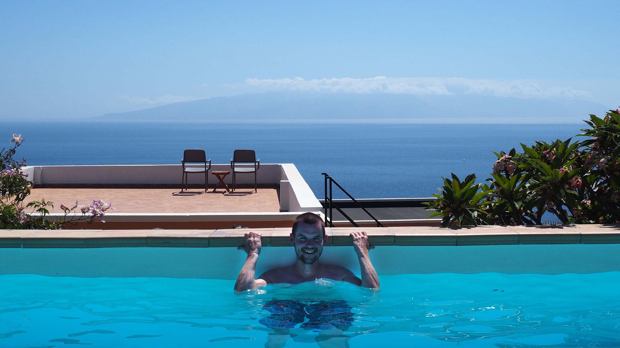 Pépère dans la piscine - Ténérife - Canaries