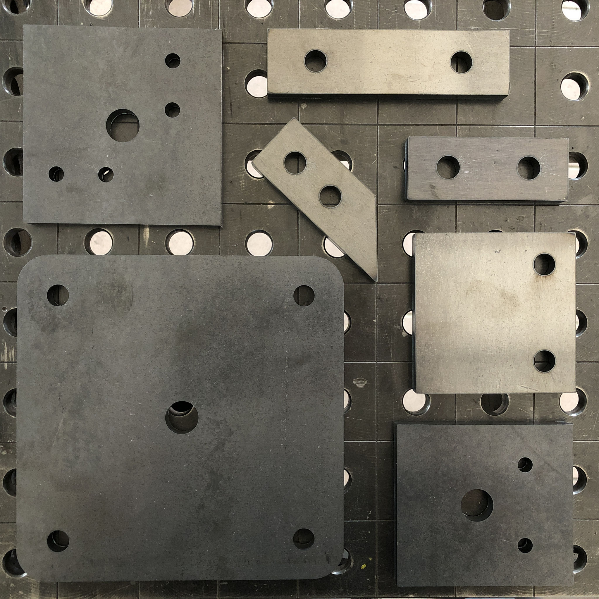 Befestigungsplatten in S235JR, 30x10mm - 200x10mm