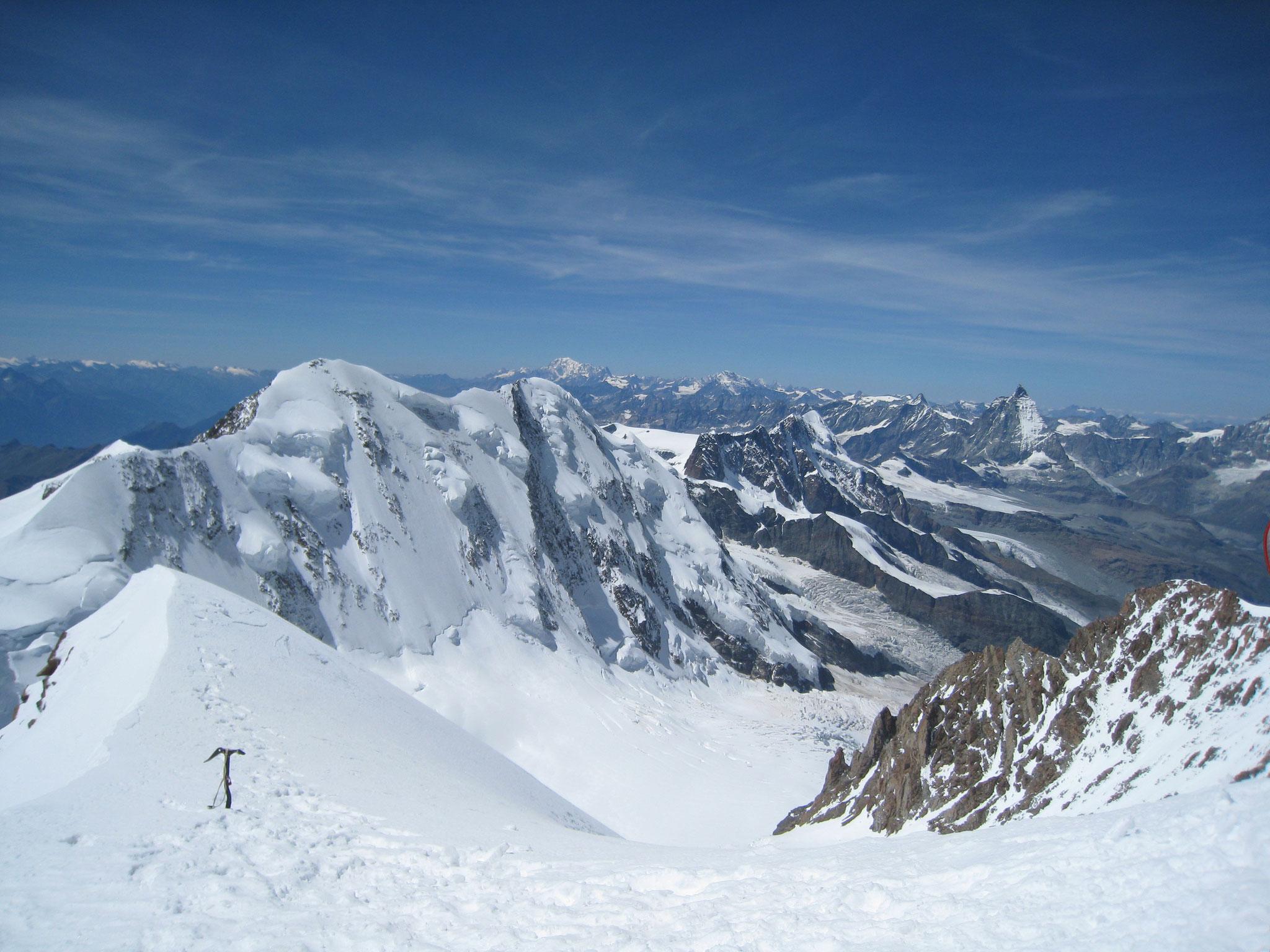 Spaghettitour in der Schweiz. Zehn 4000er in fünf Tagen. Matterhorn im Hintergrund