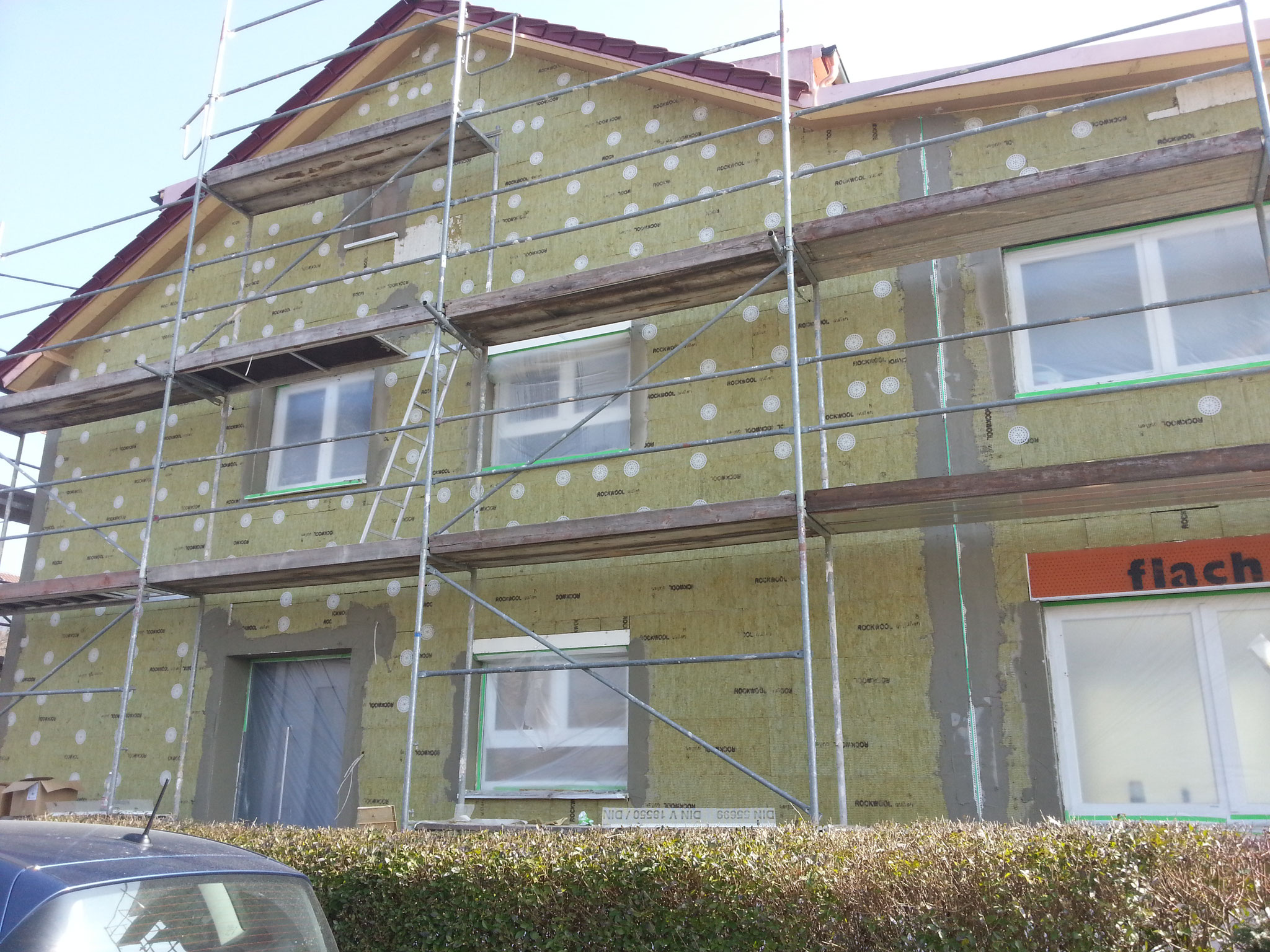 Vollwärmeschutz Fassade mit Mineralwolle