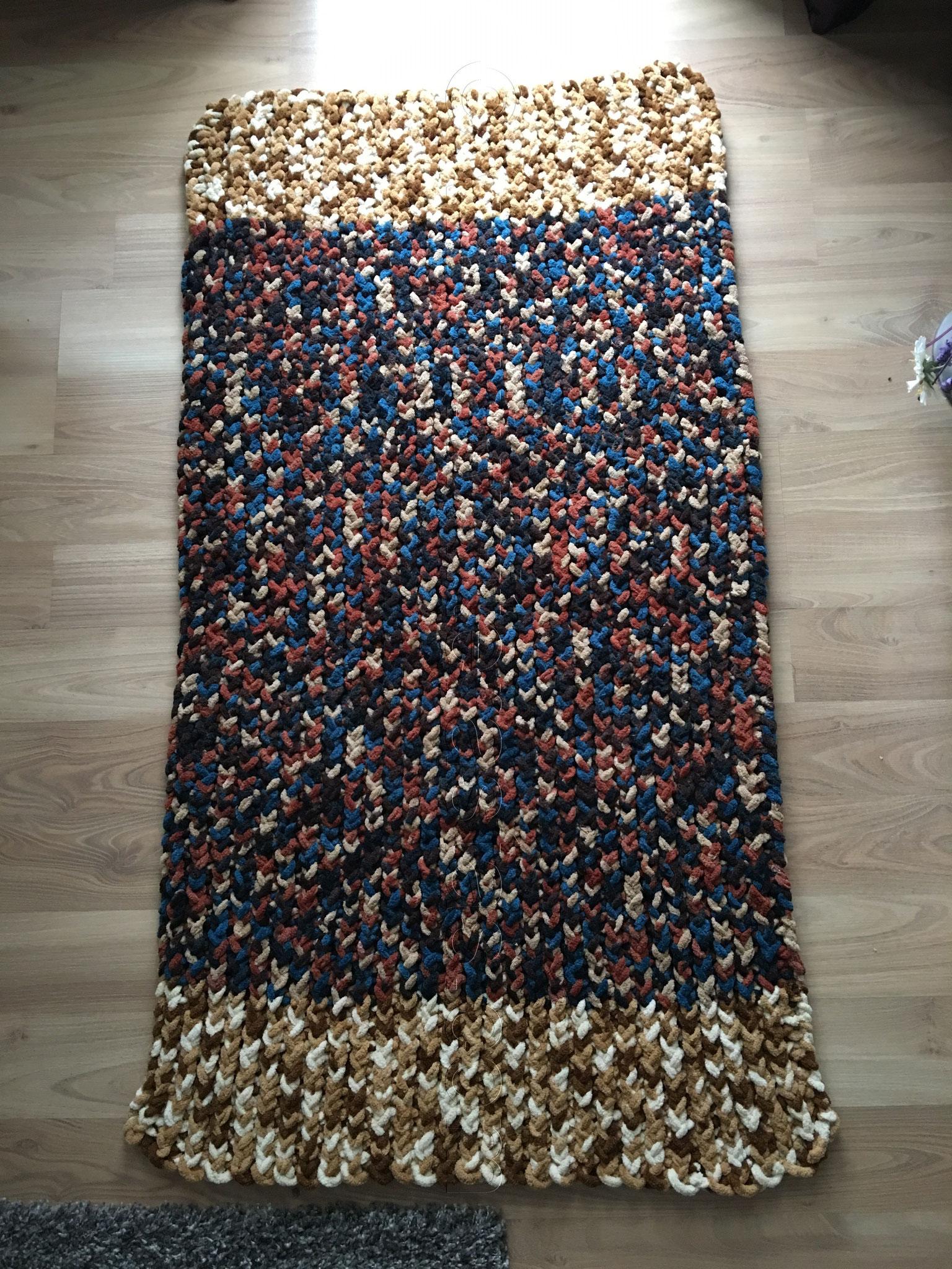 Muster 3: aus Polyester Garn in Nadelstärke 8-9