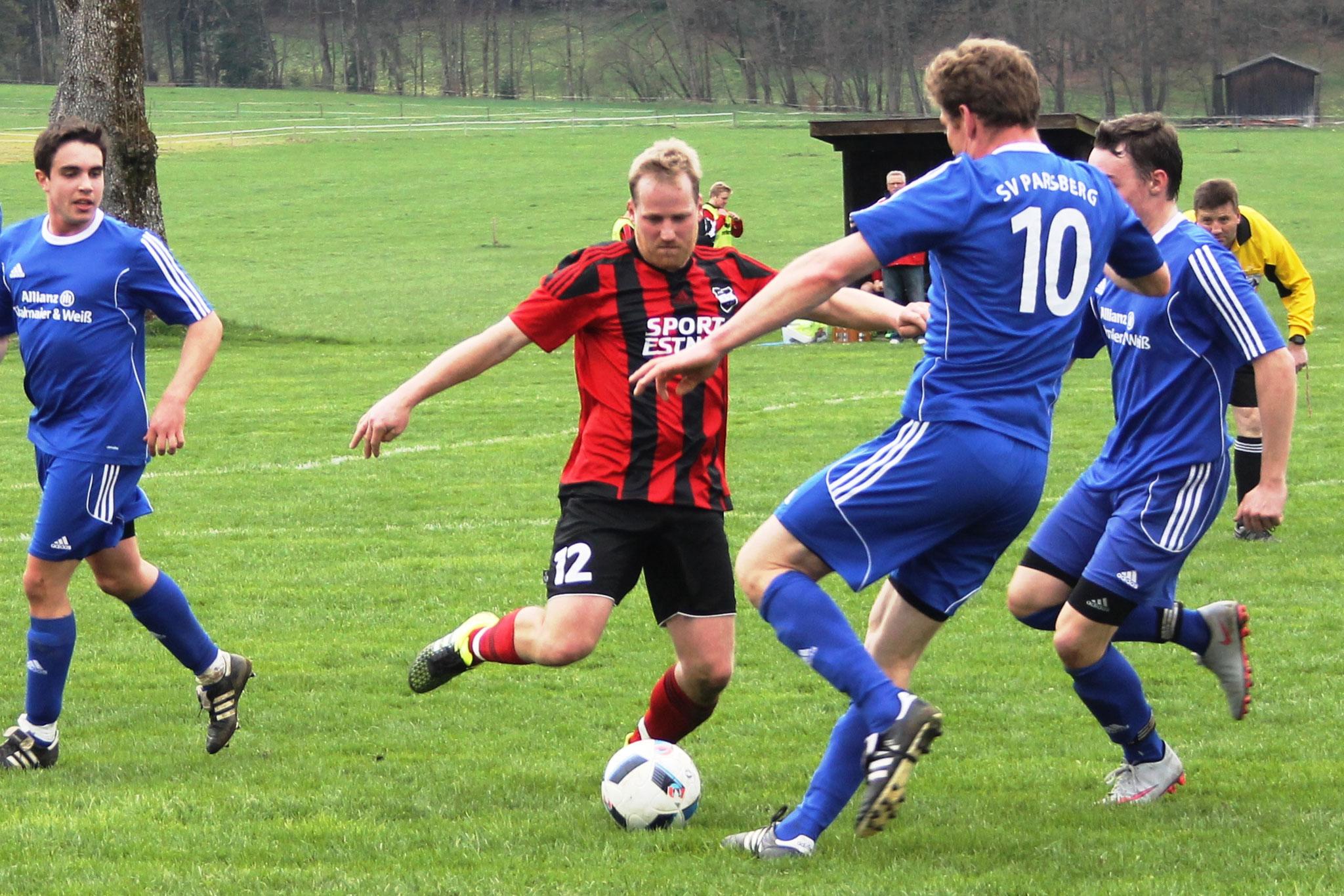 Gegen den SV Parsberg (3:0) am 10.4.2016