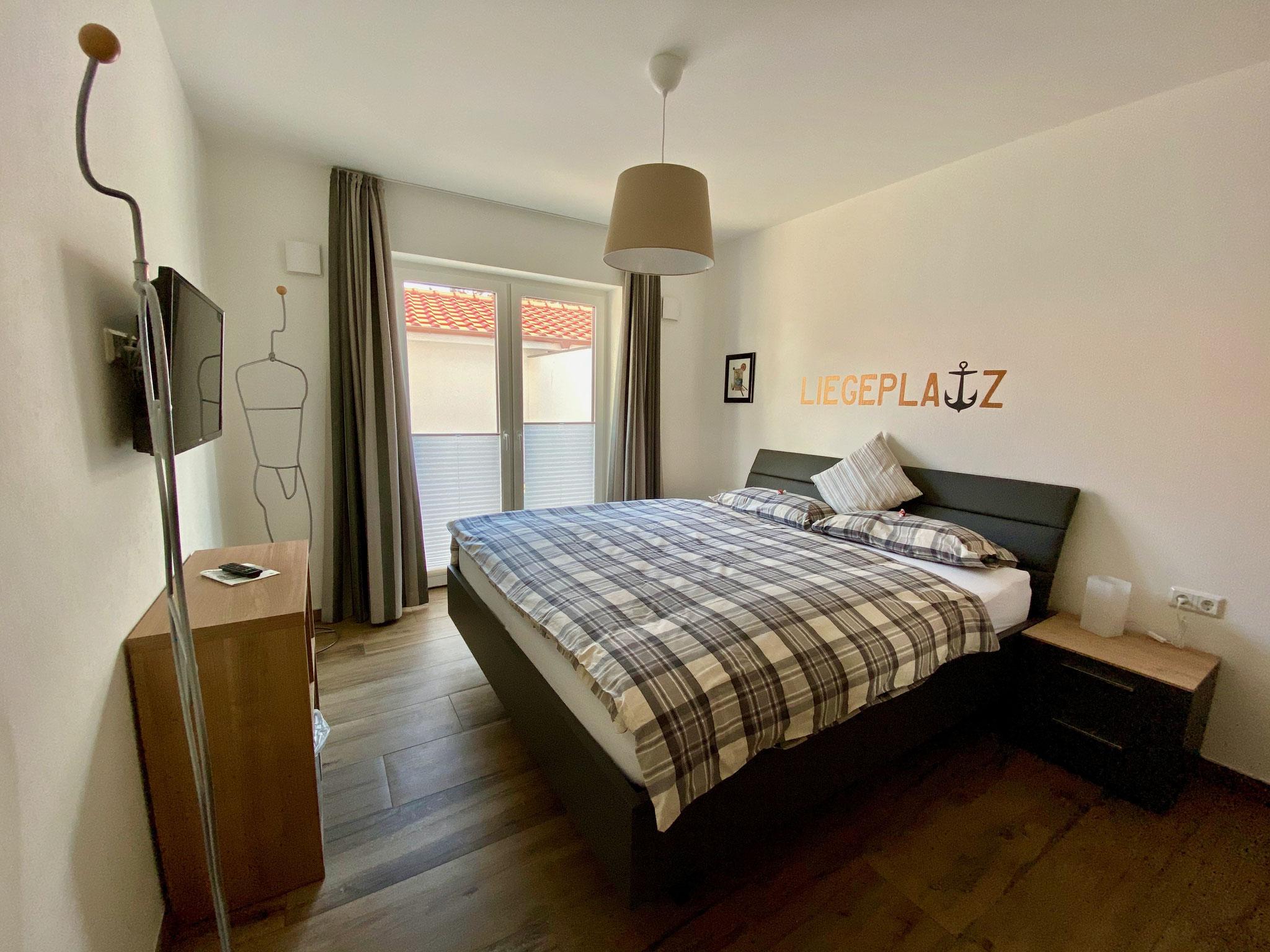 Schlafzimmer - mit Terrassenzugang