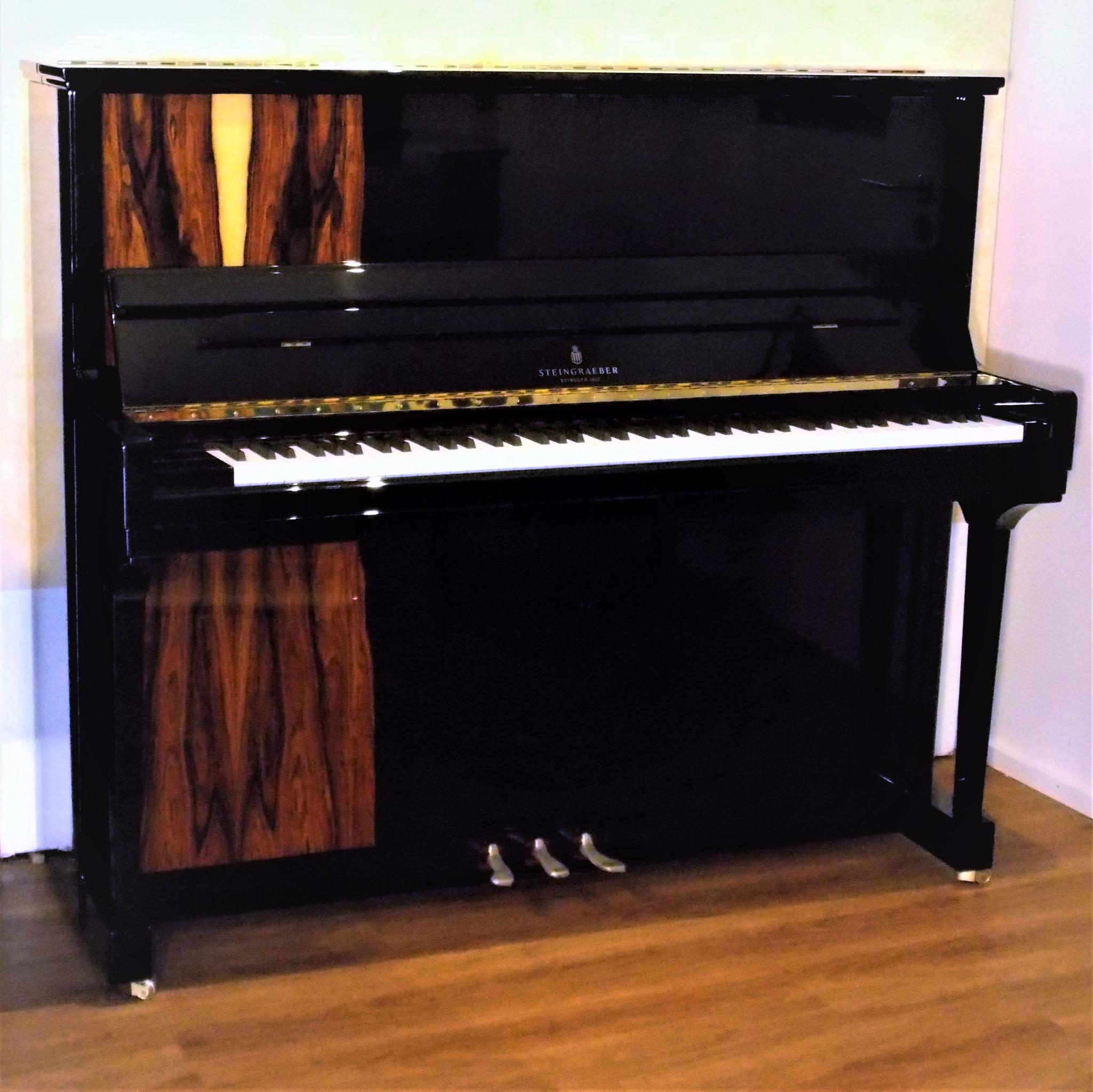 Top-Klavier mit Flügel-Sound: STEINGRAEBER