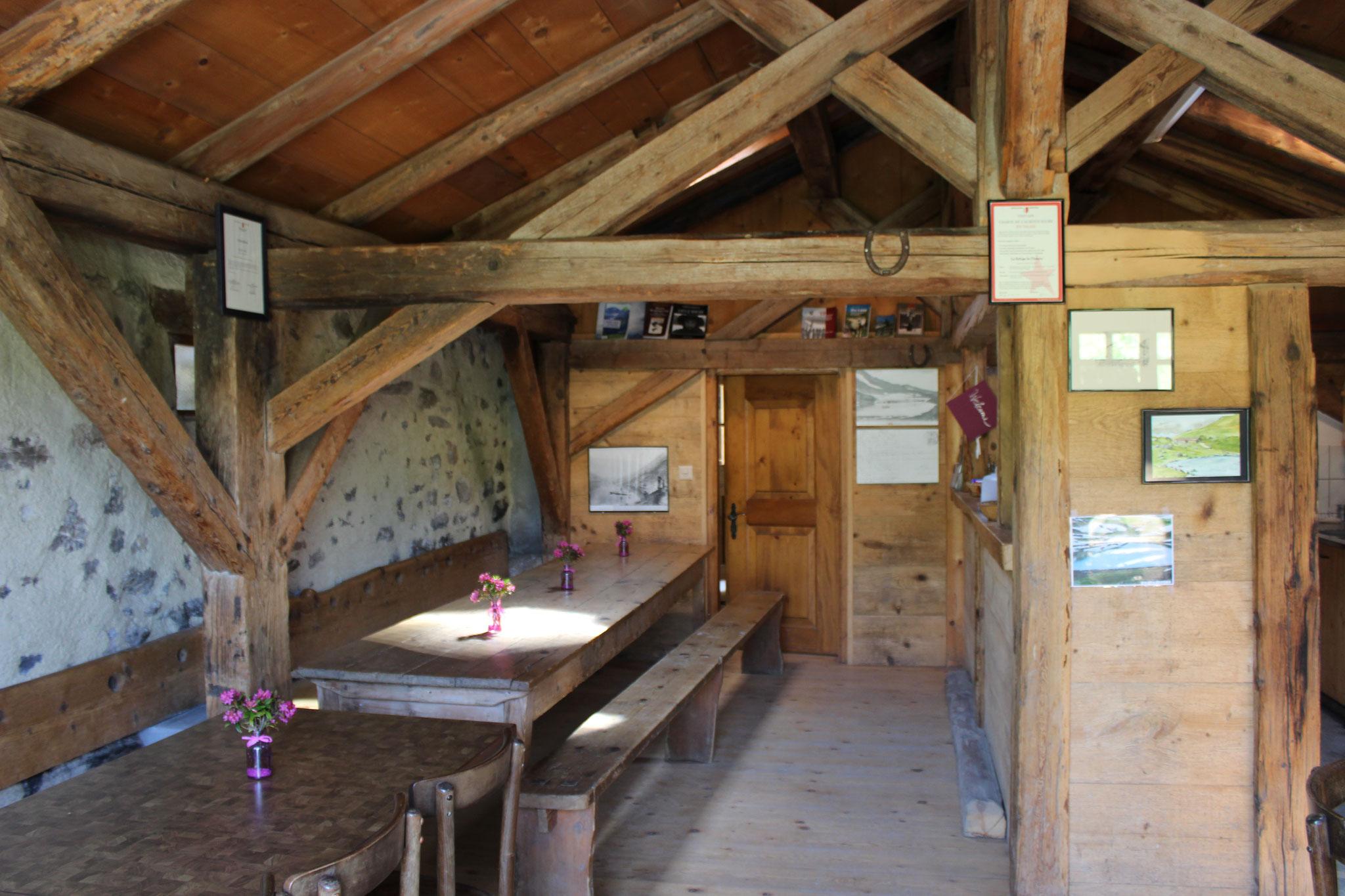 L'intérieur du refuge (été 2015)