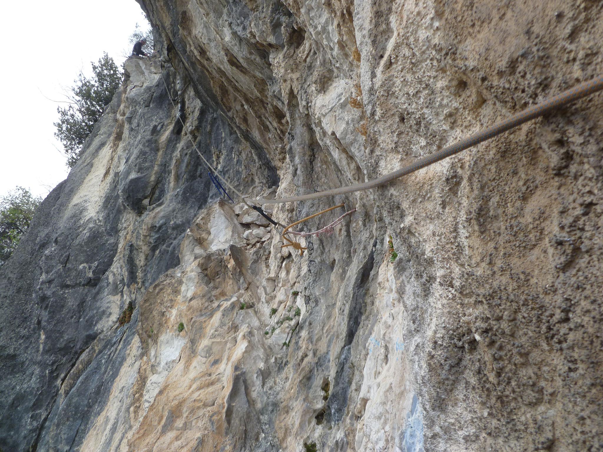 Die Rampe in der 5. Länge: nur kurz etwas schwerer, allerdings mit nicht ganz stabilen Blöcken garniert