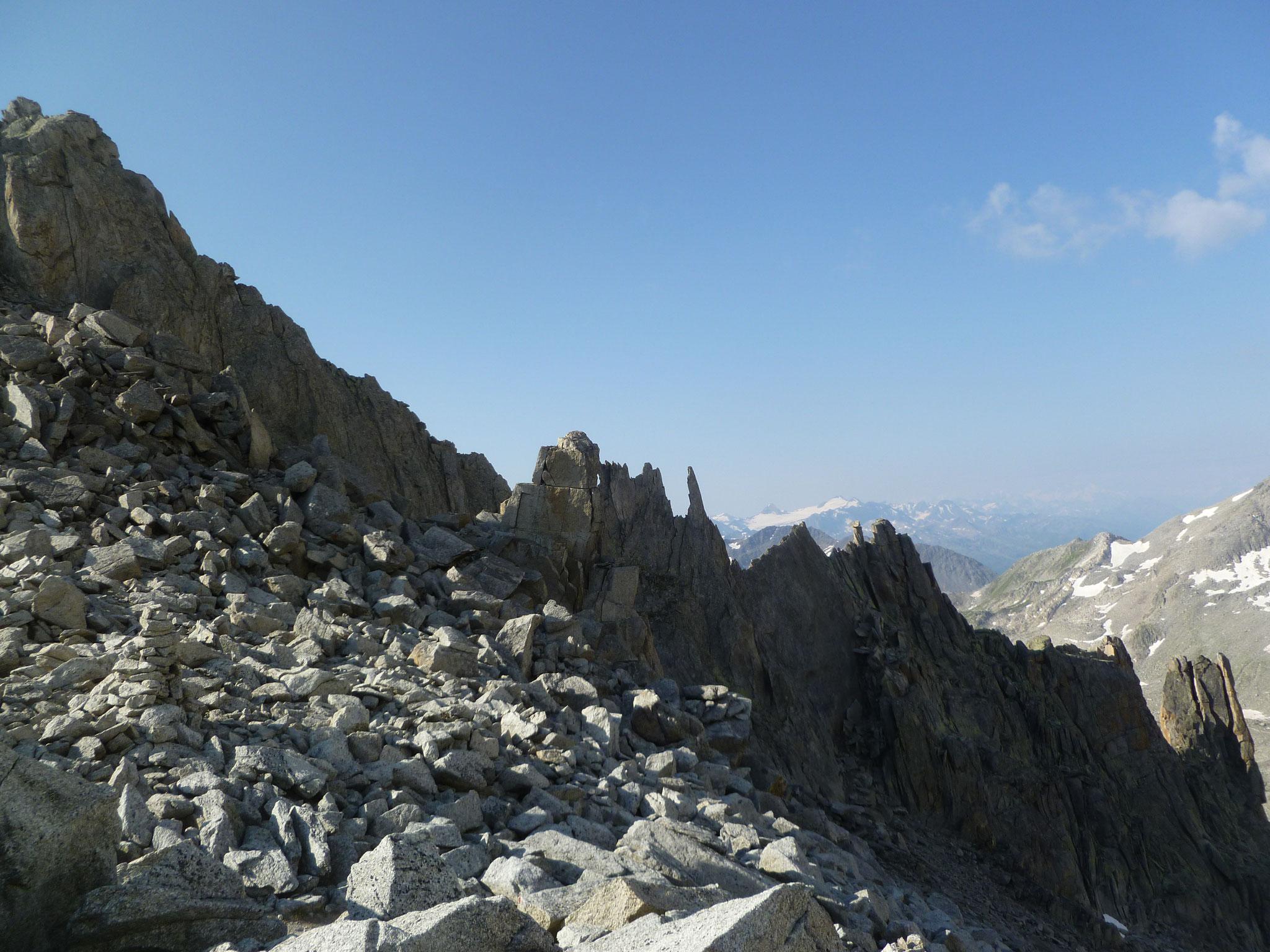 Fast haben wir die Höhe vom Gipfel erreicht, den Einstieg noch nicht...