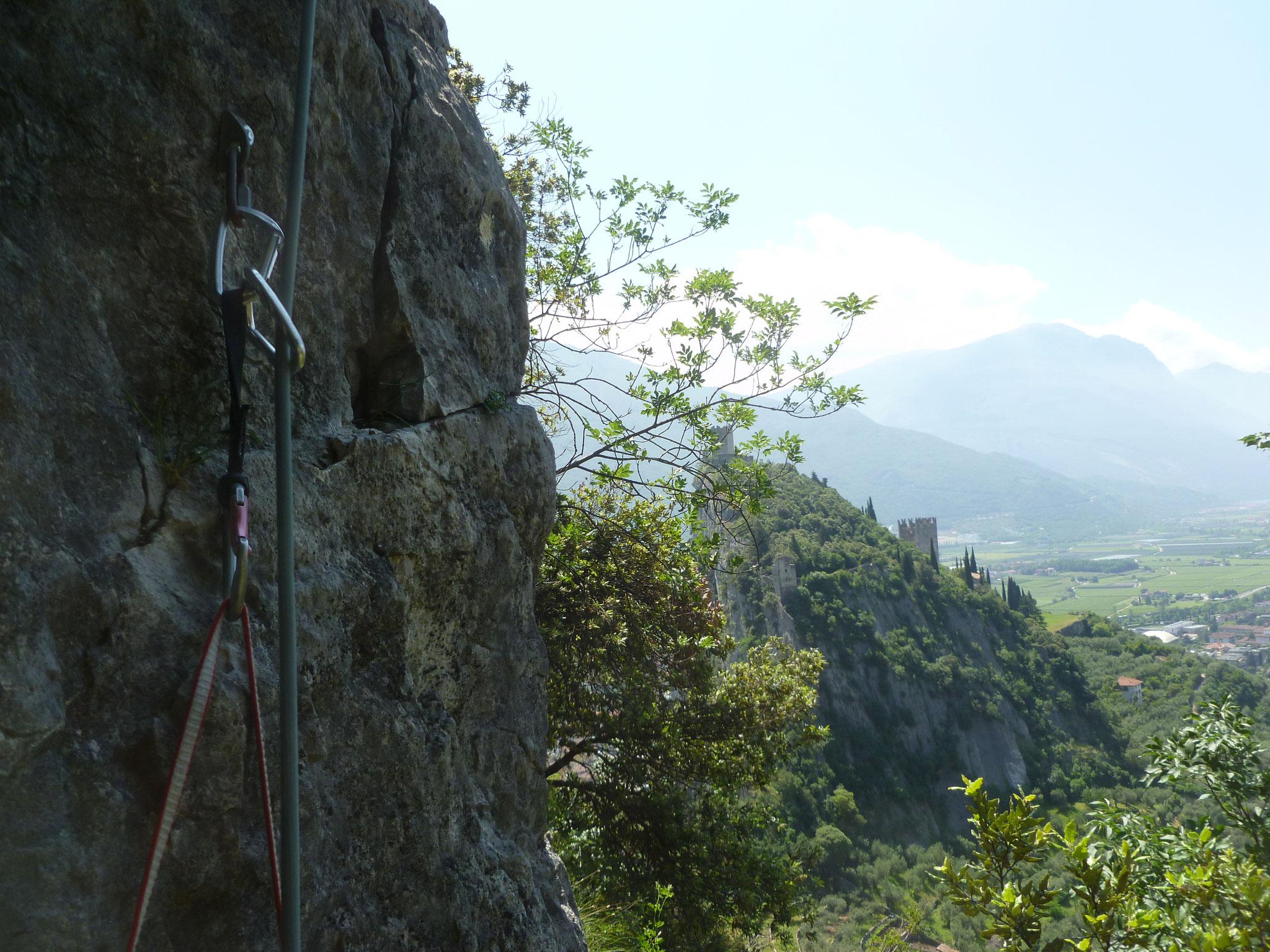 Start in die 4. Länge mit Aussicht auf die Burg