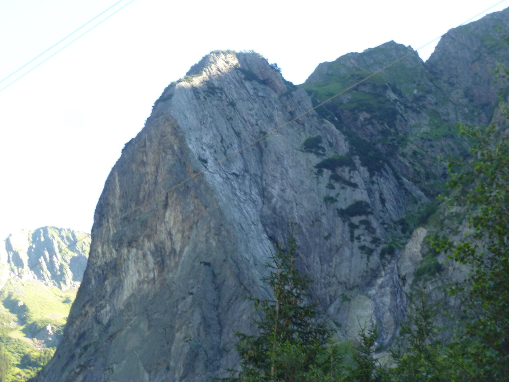Die markante Rampe mit steiler Südwand