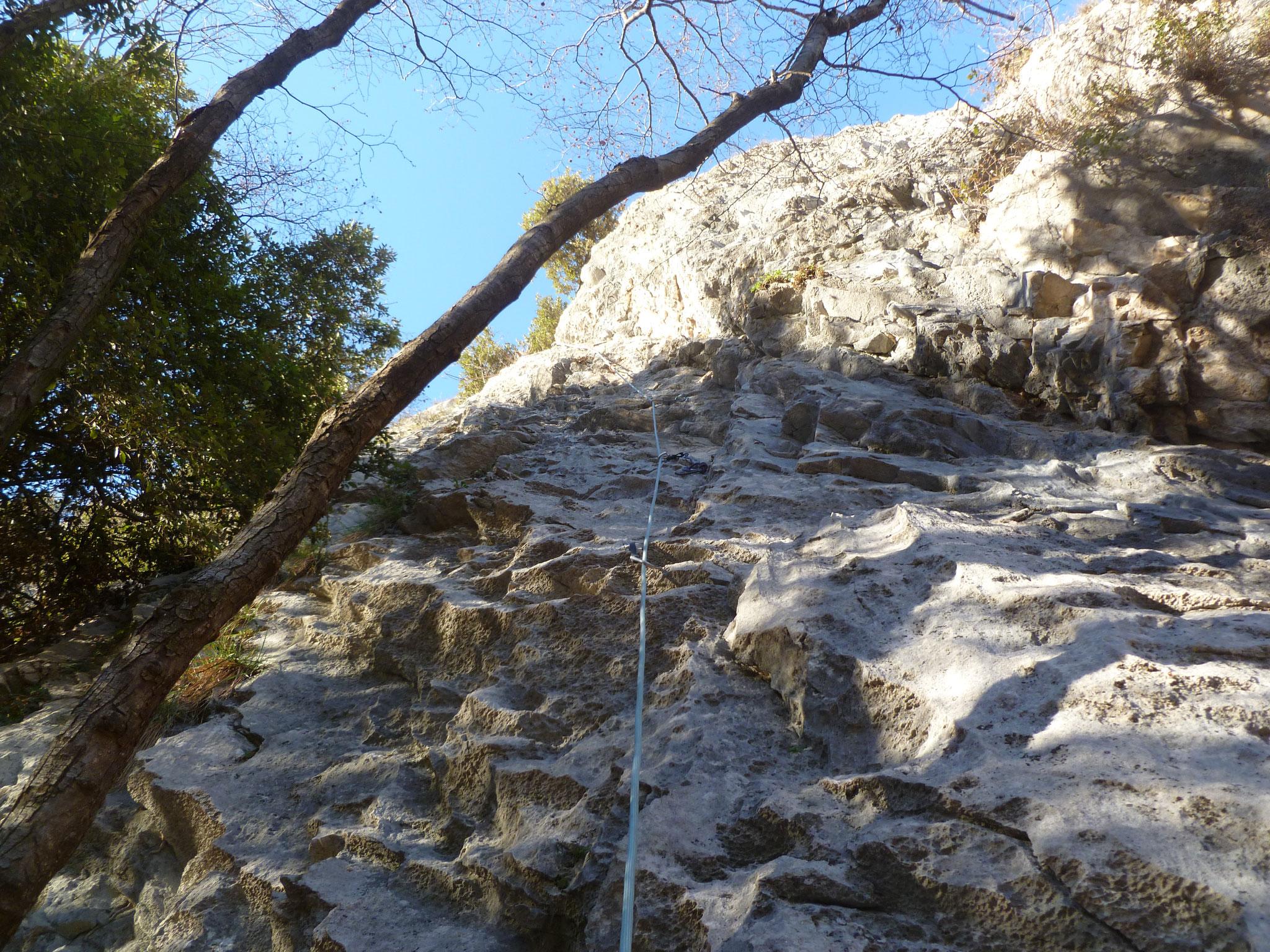 Die erste Länge - steiler als sie aussieht aber gut zu klettern!