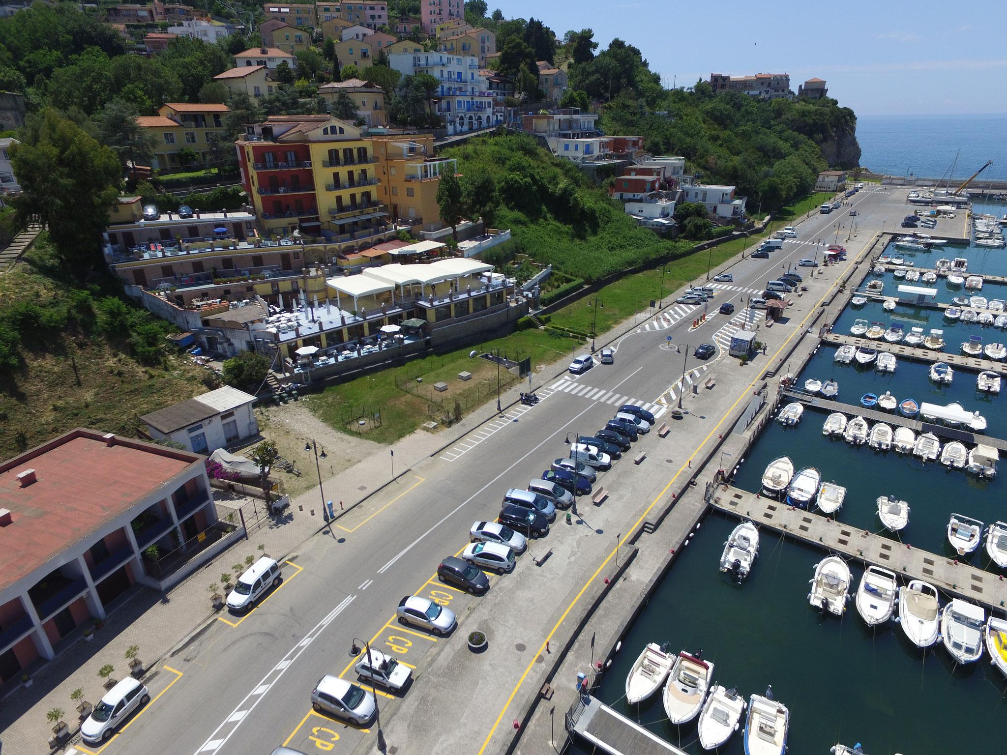 Agropoli: Lavori di restylane di una struttura turistico ricettiva sul porto